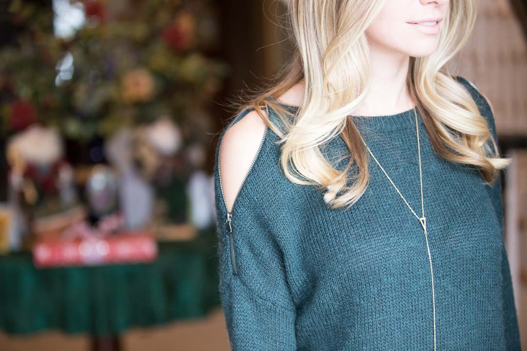 emerald green sweater details