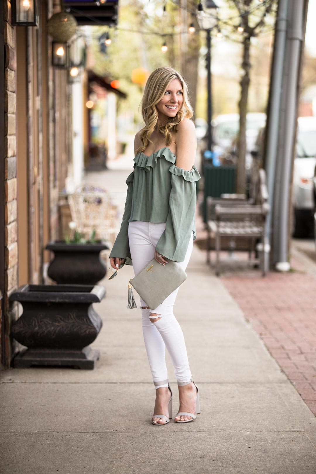 Ruffle Off the Shoulder Blouse 4SI3NNA