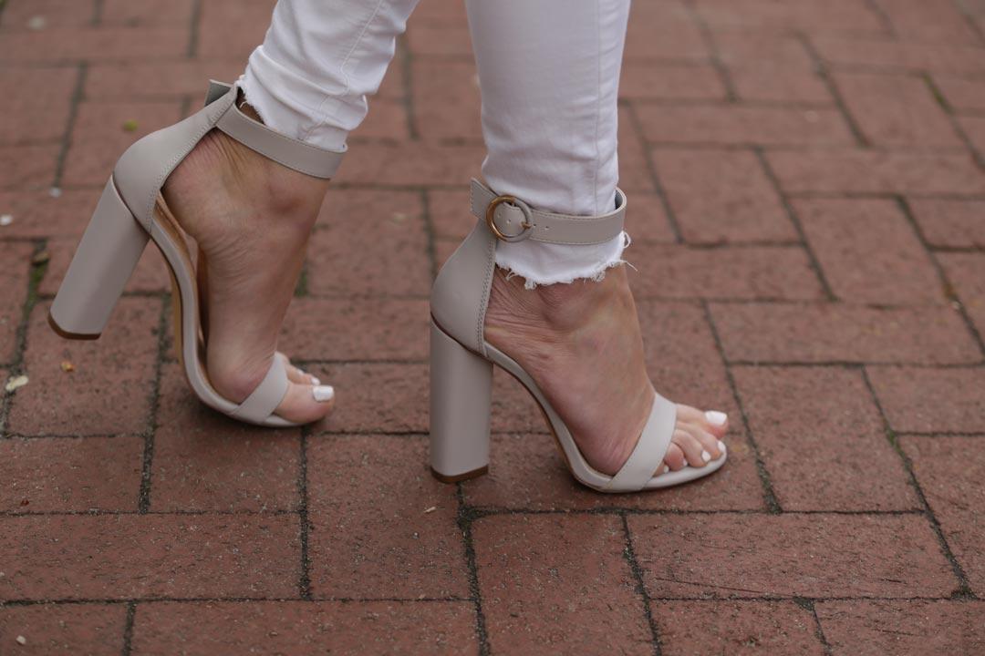 Go Jane Chunky Gray heels