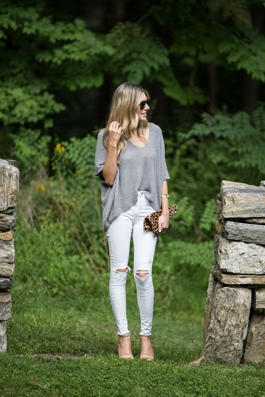 white and gray casual fall outfit