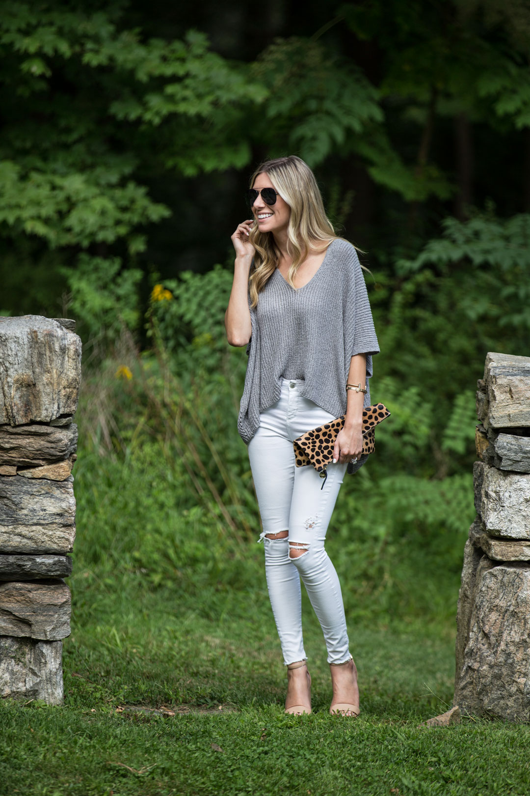 the perfect slouchy sweater that comes in many colors