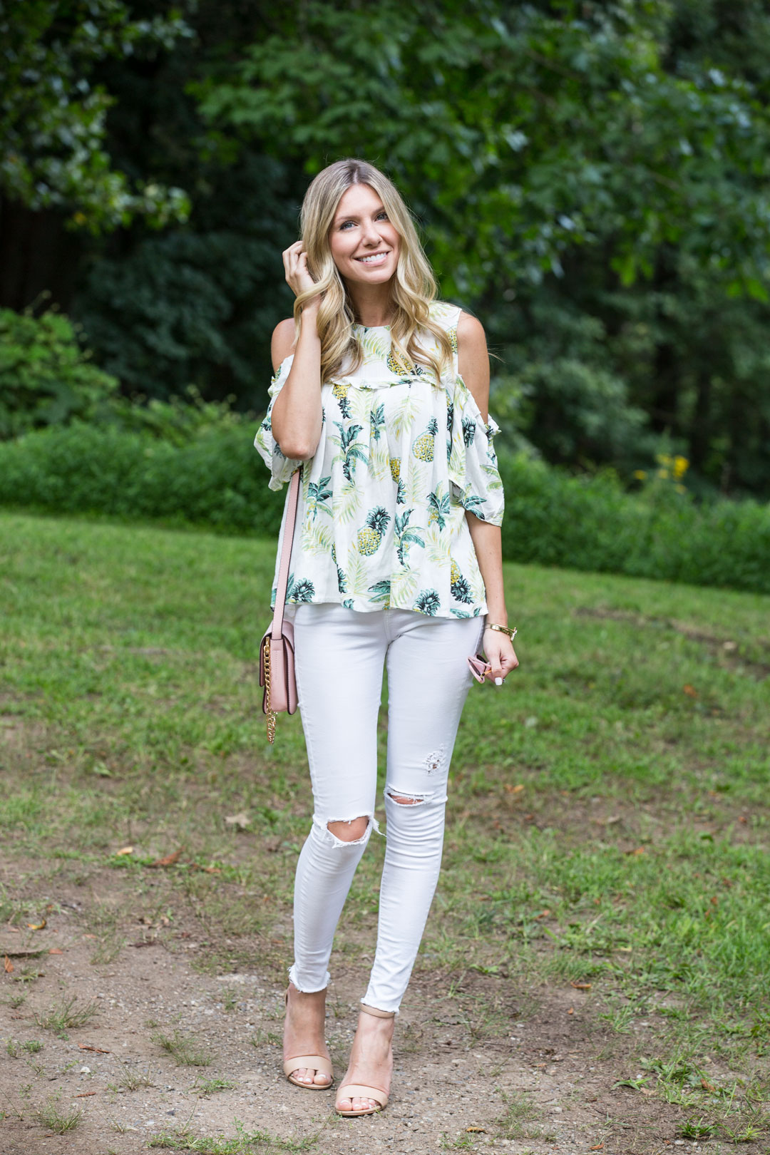 summer and fall outfit staples