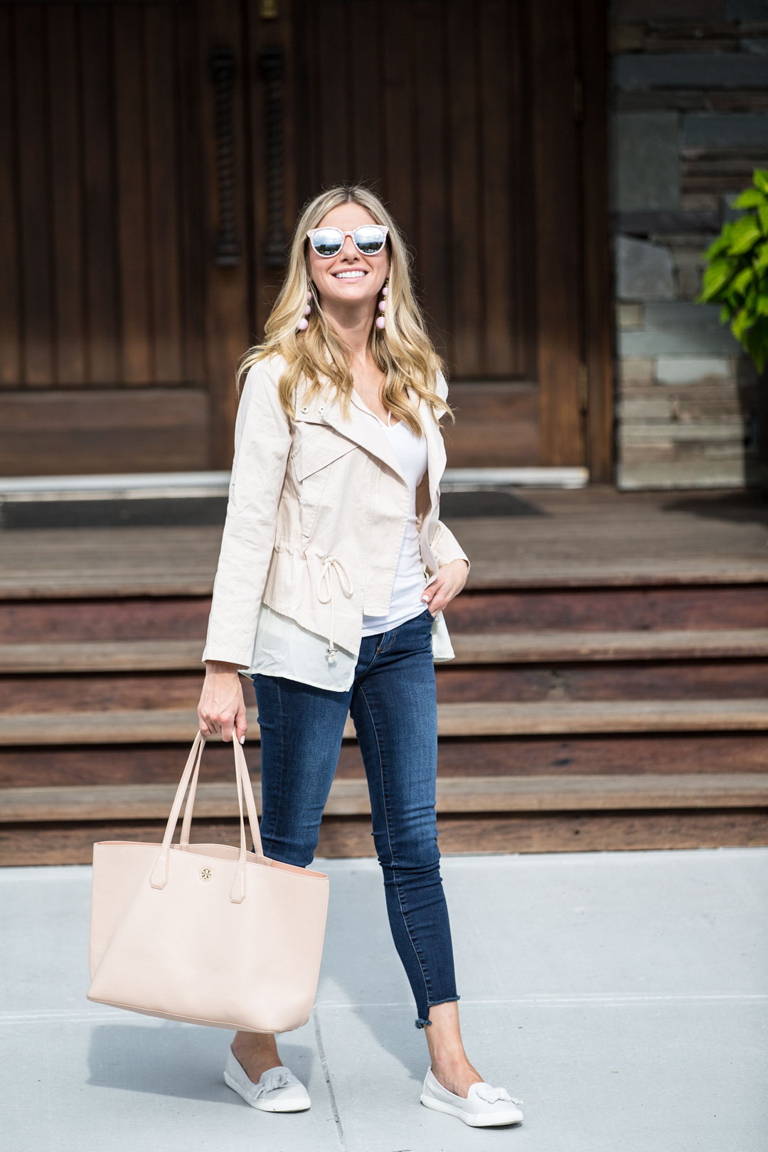 blush and denim outfit for fall