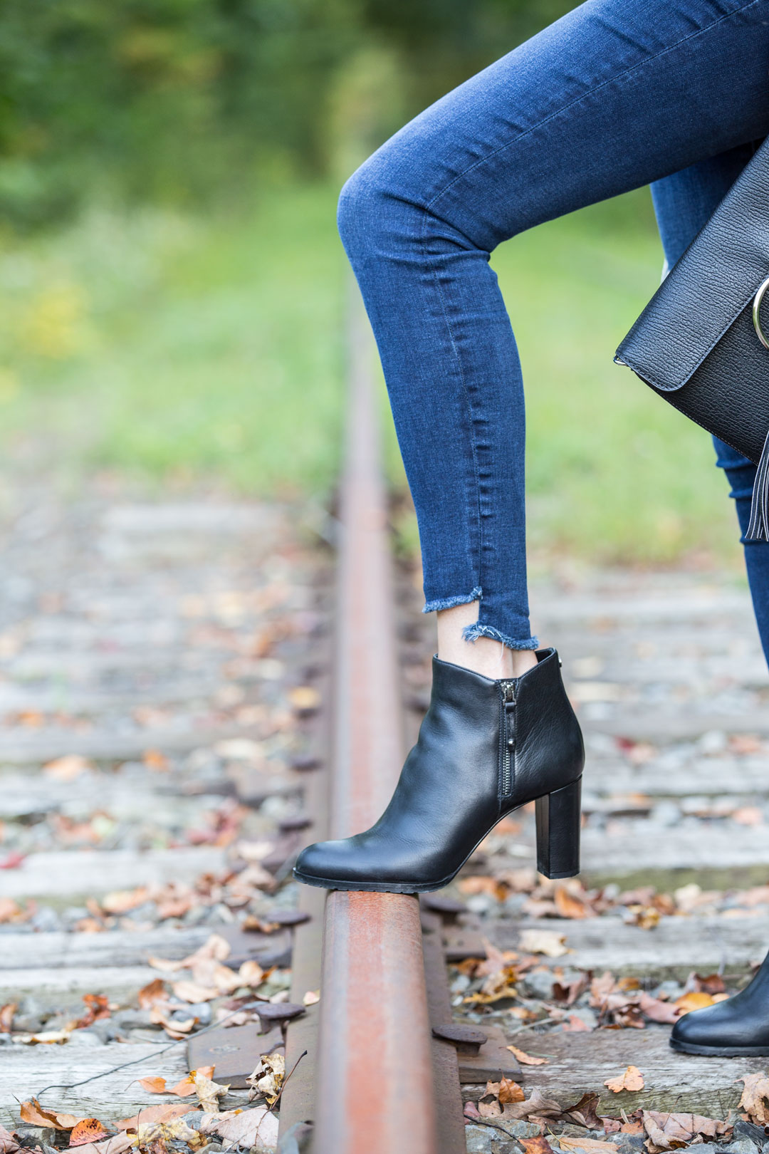 casual fall outfit perfect for the cool weather