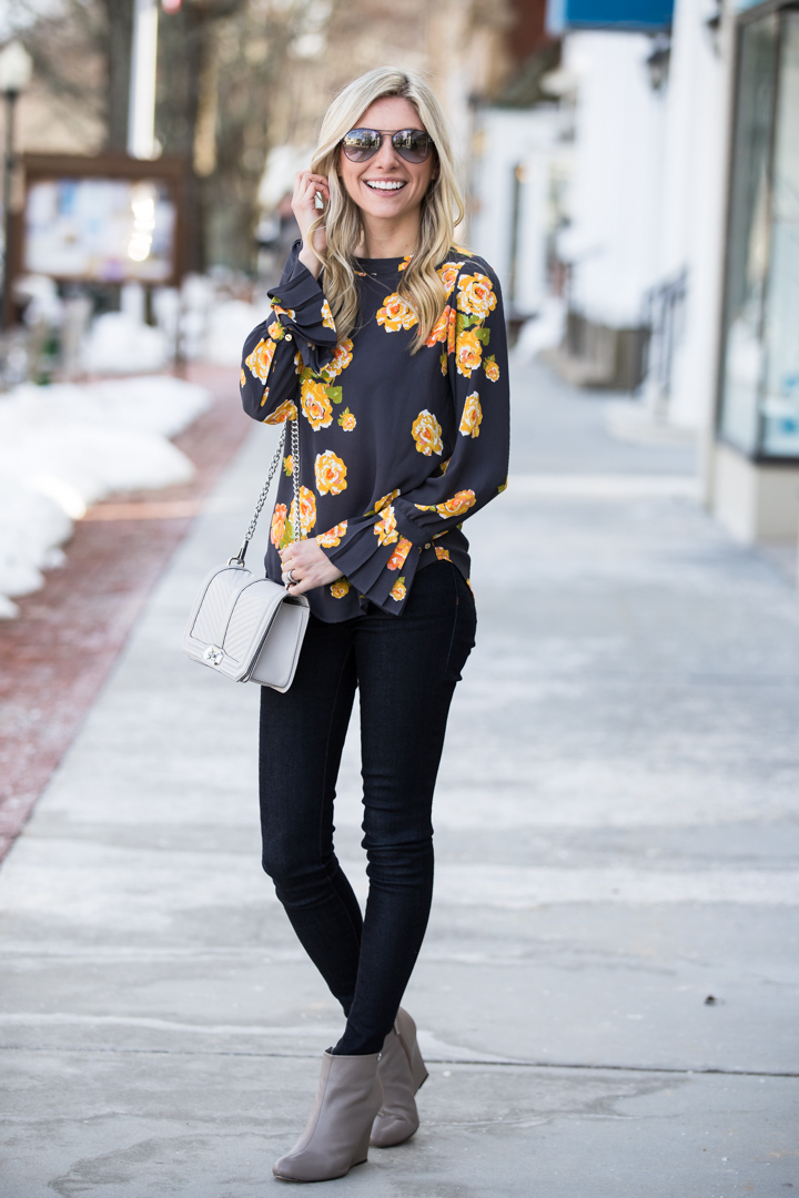 loft floral top with pleated sleeves