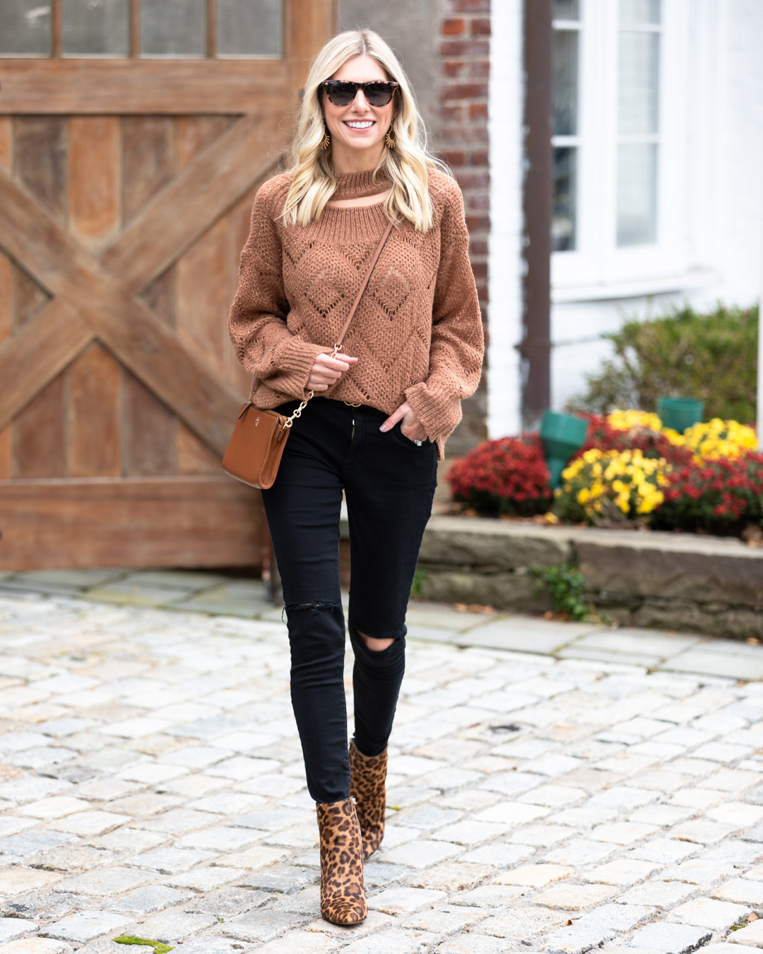 Goodnight Macaroon Light Knit Camel Sweater