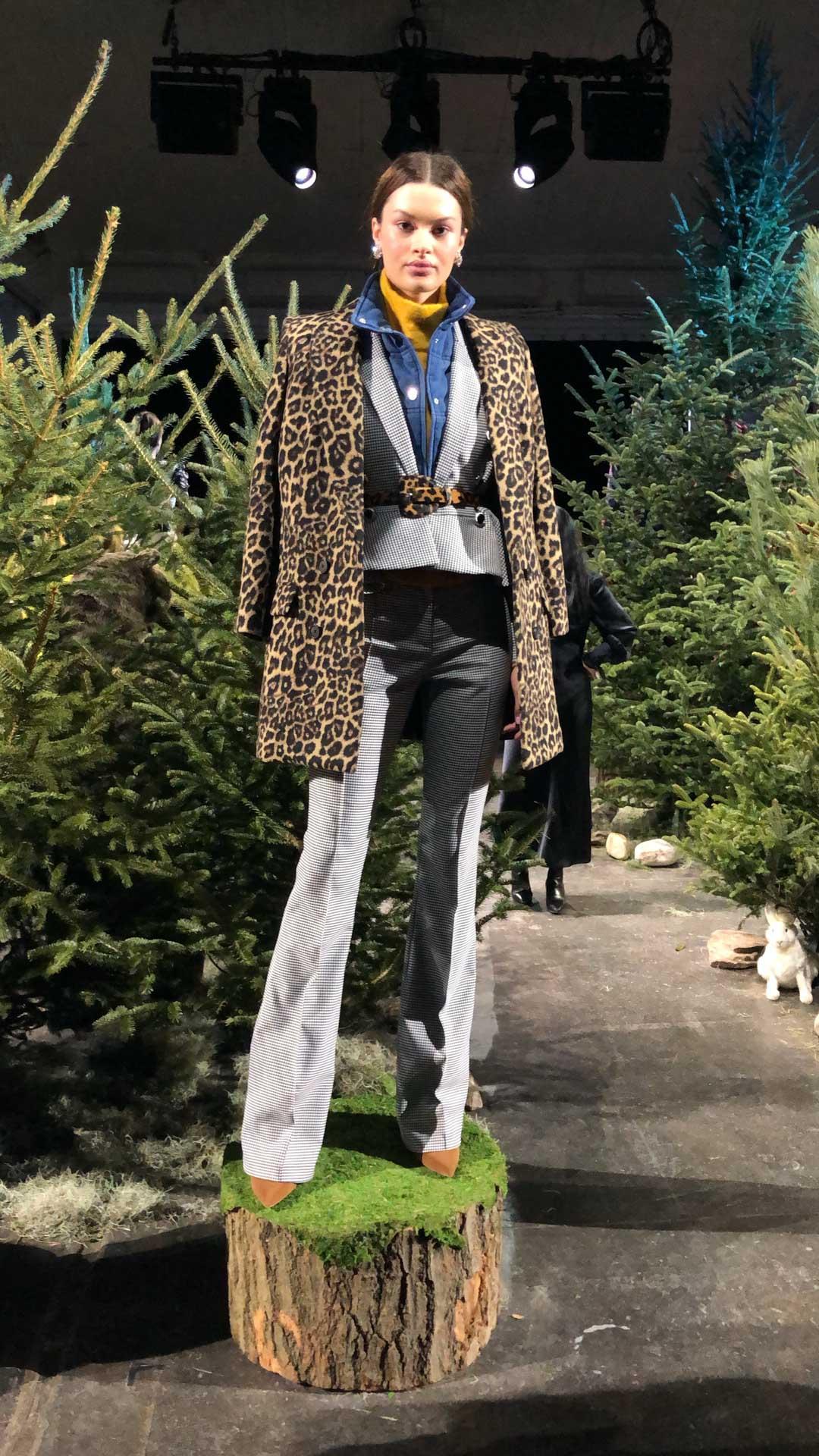 Veronica Beard Presentation Leopard Details