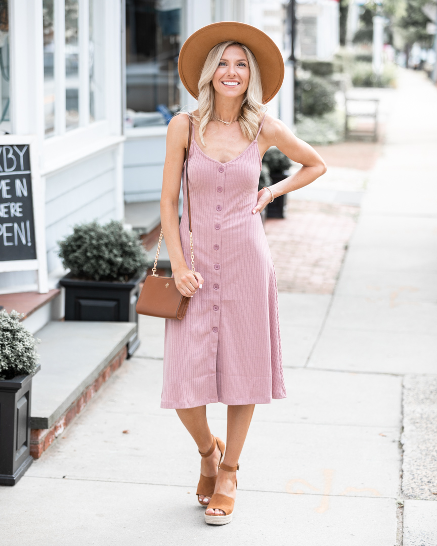 summer outfit with hat accessory