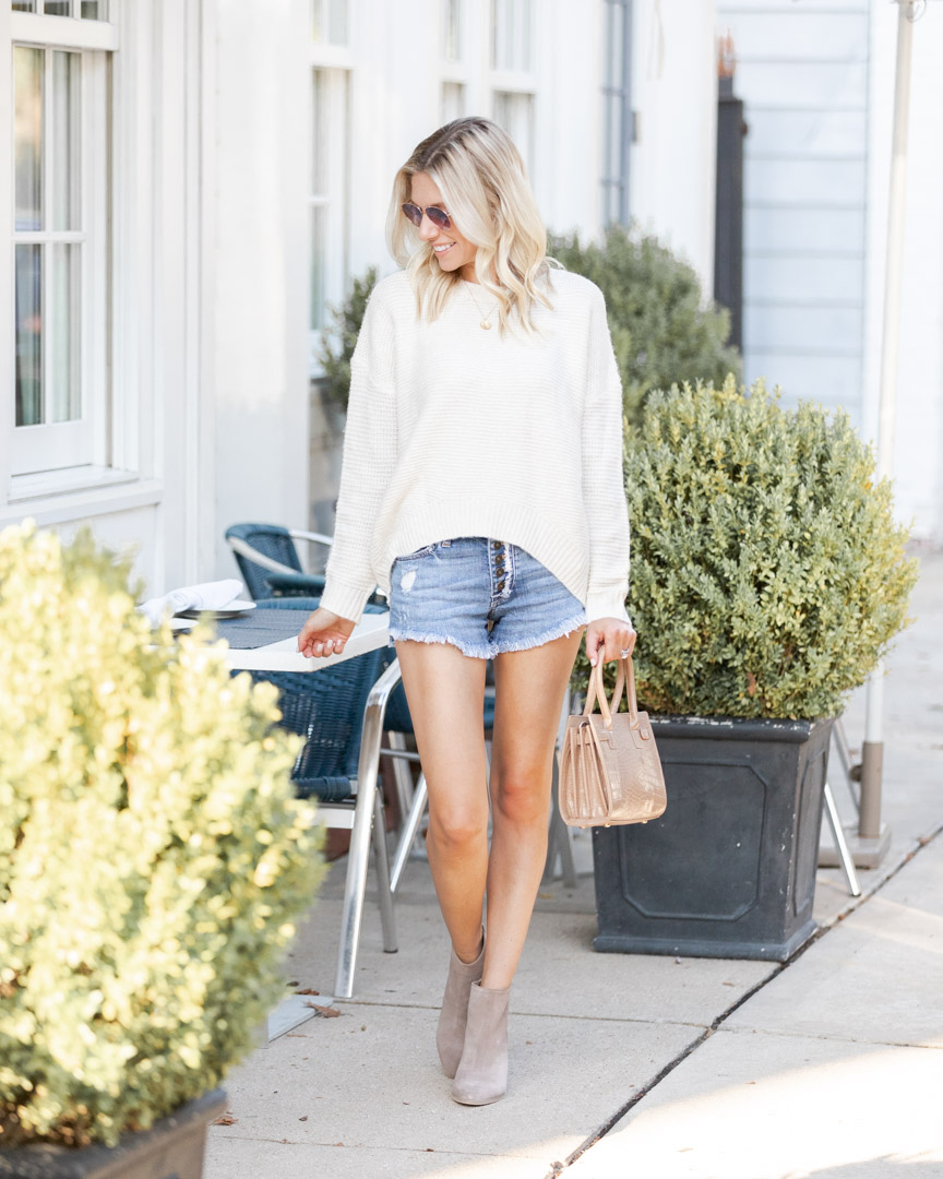 comfy and casual fall look The Glamorous Gal