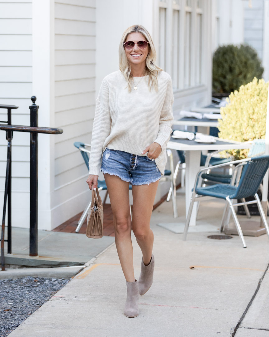 the perfect casual fall outfit with shorts The Glamorous Gal