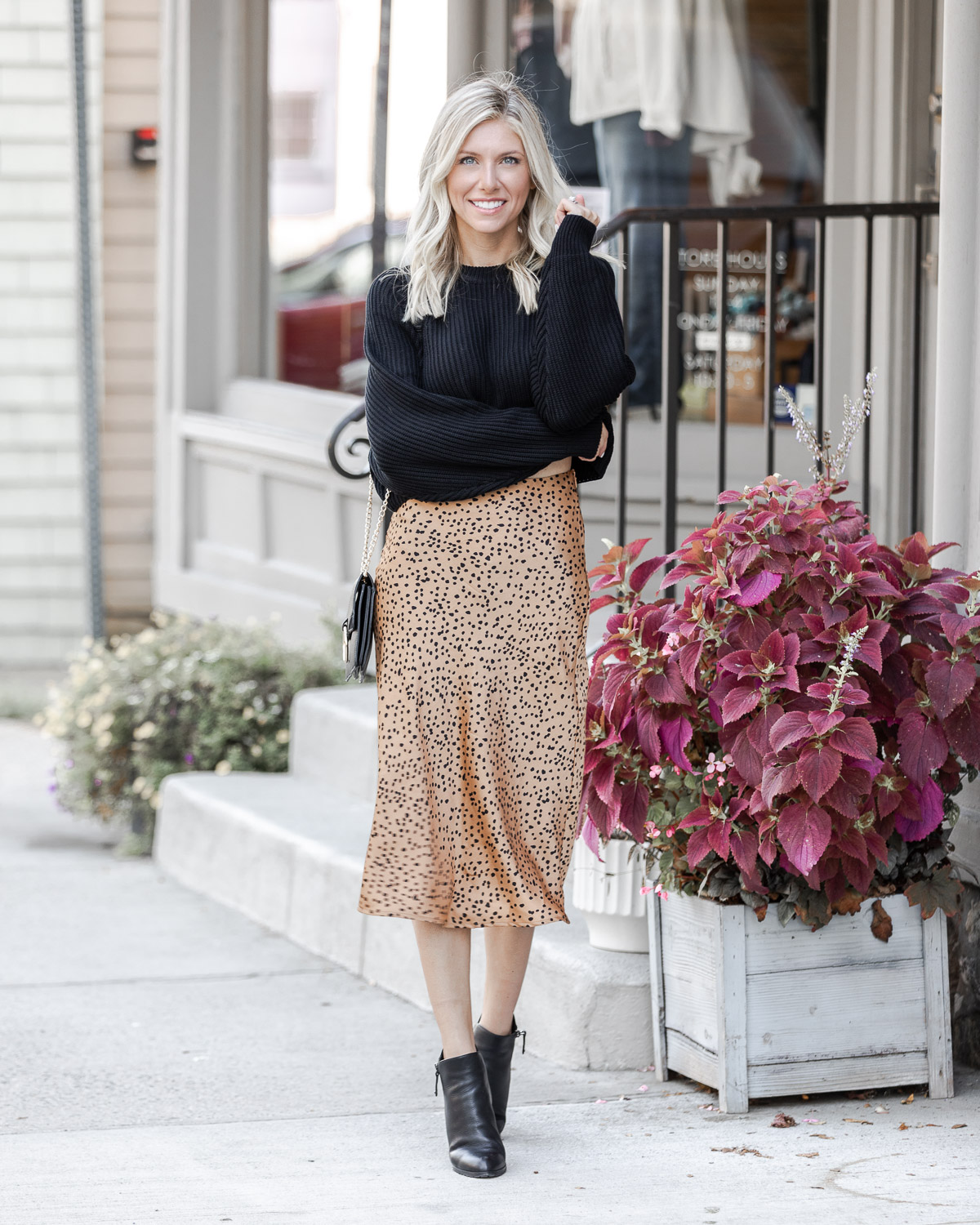 chic fall outfit from red dress boutique The Glamorous Gal