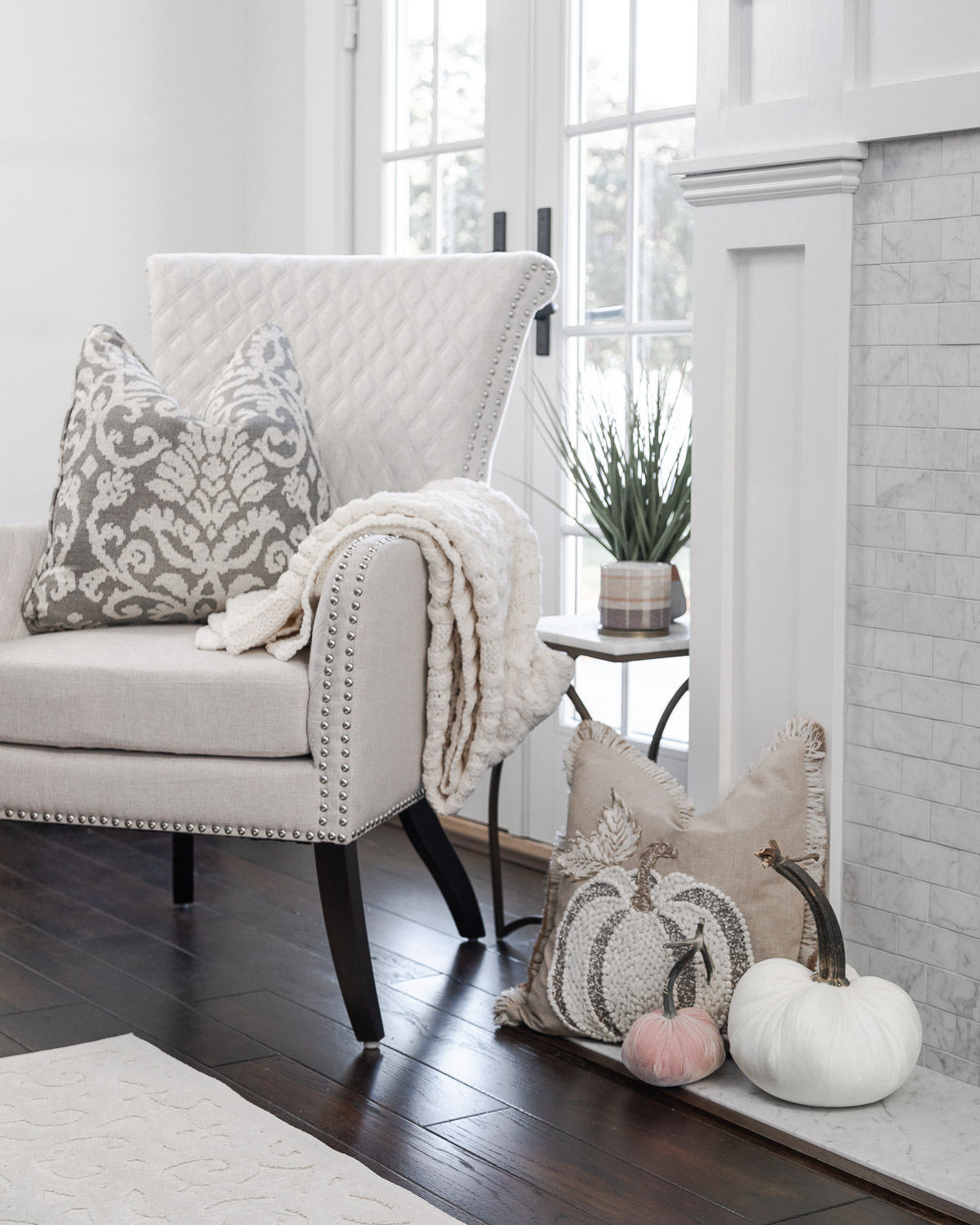 cozy fall decor with hot skwash The Glamorous Gal