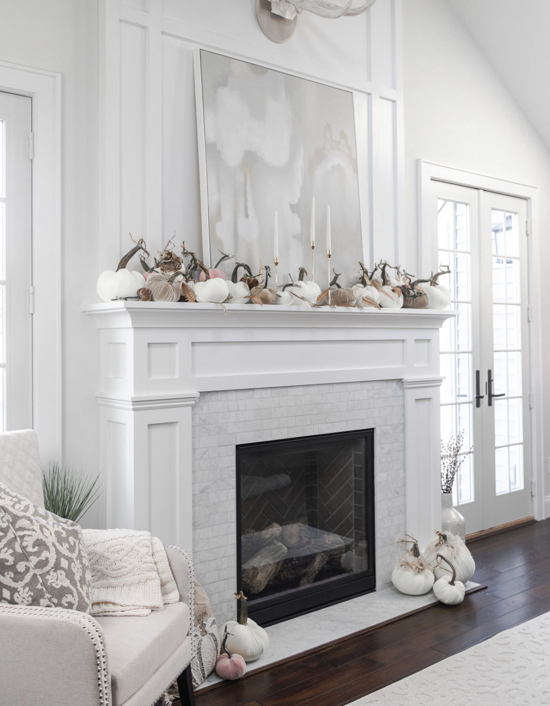 fall mantle scape with hot skwash The Glamorous Gal
