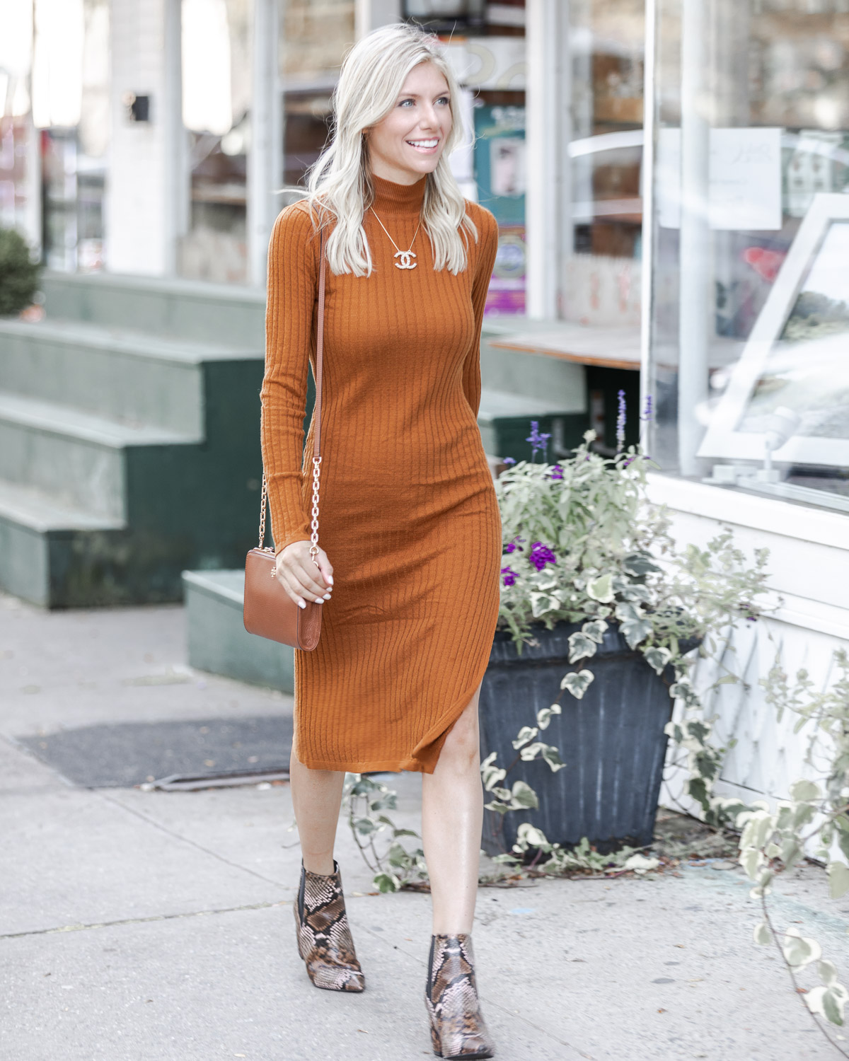 forever21 sweater dress under $30 The Glamorous Gal