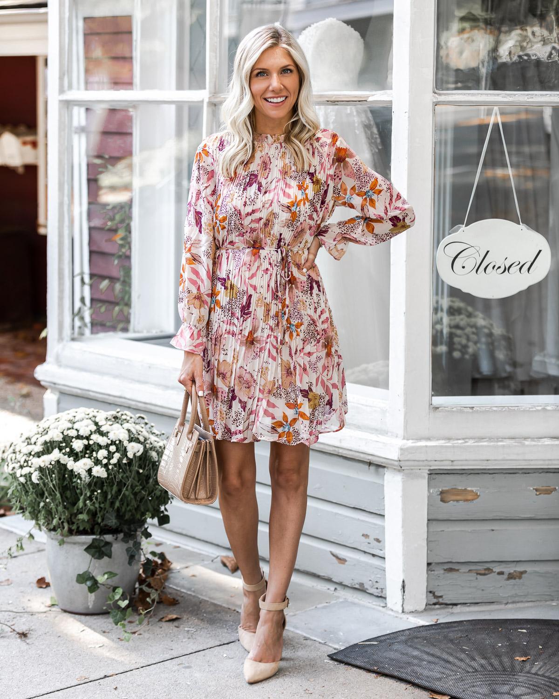 mauve floral dress details The Glamorous Gal