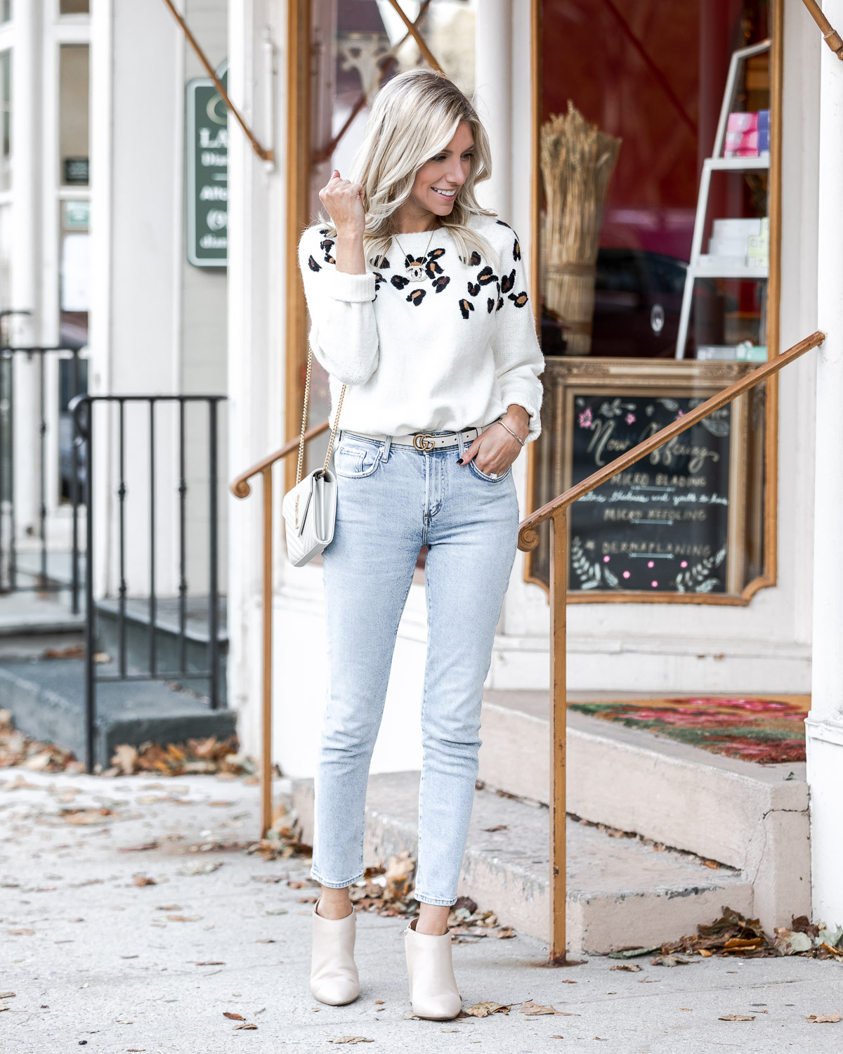 the perfect casual fall outfit with a hint of leopard The Glamorous Gal