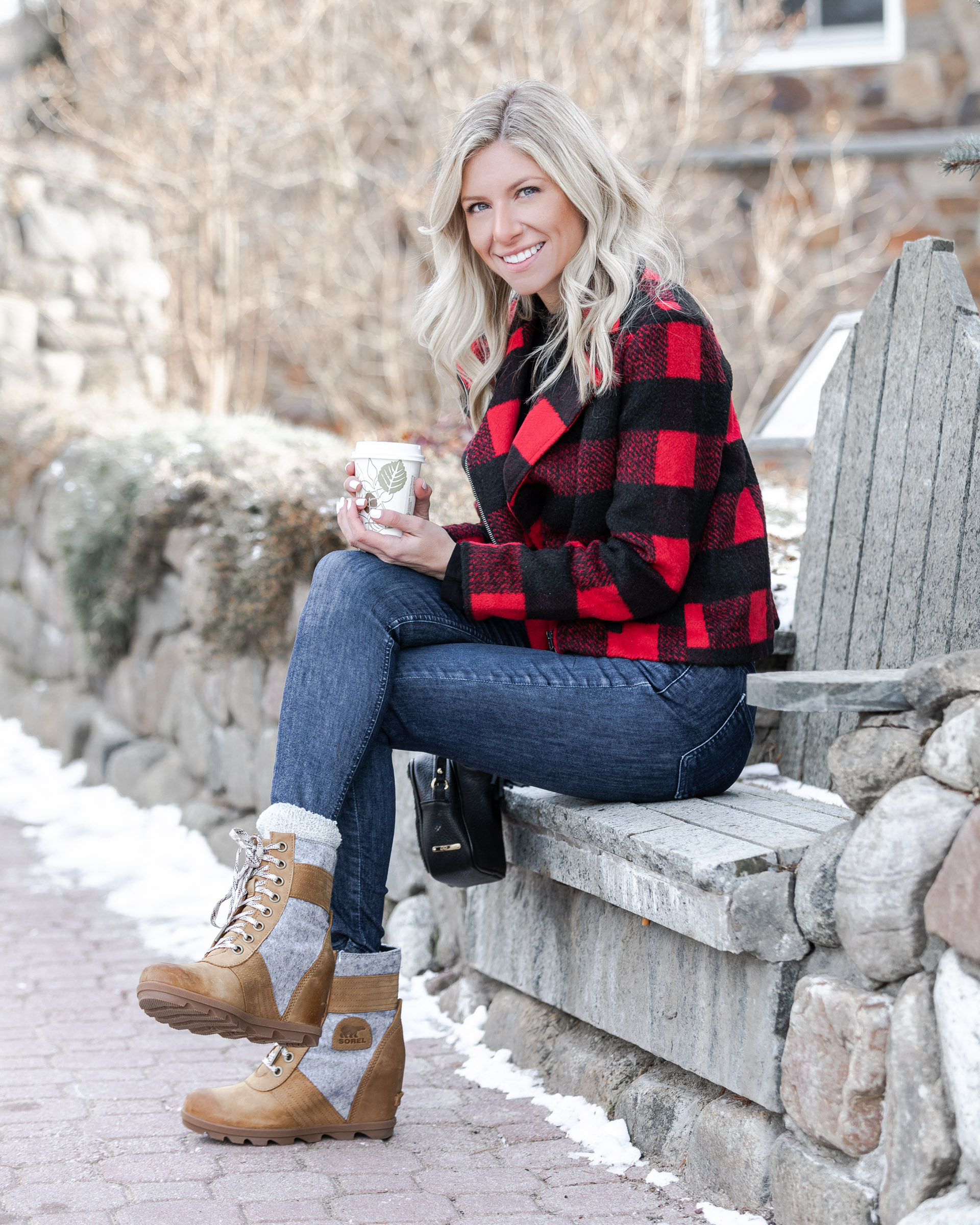 two-tone-sorel-winter-boots-the-glamorous-gal