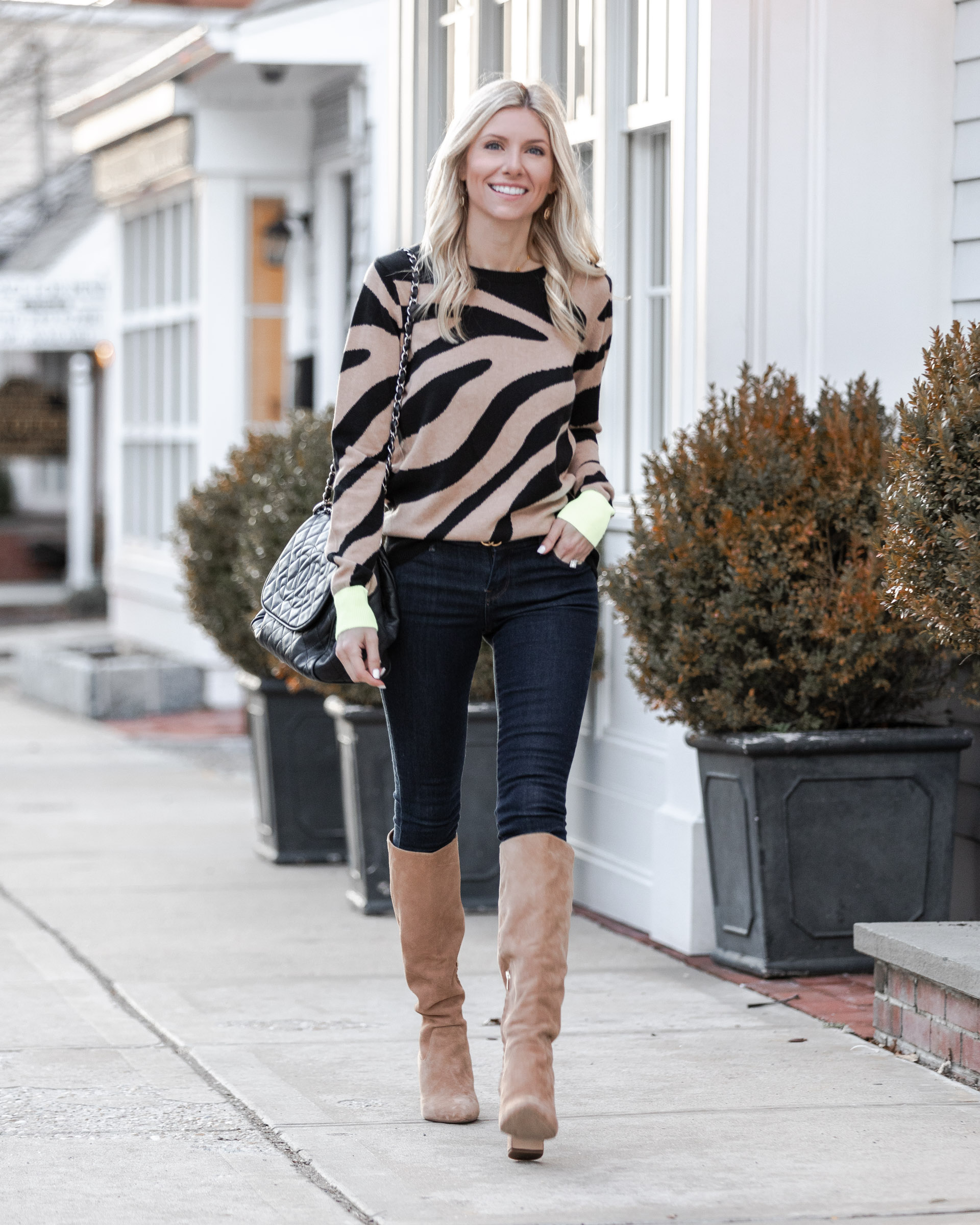 jeans-and-zebra-sweater-outfit-the-glamorous-gal