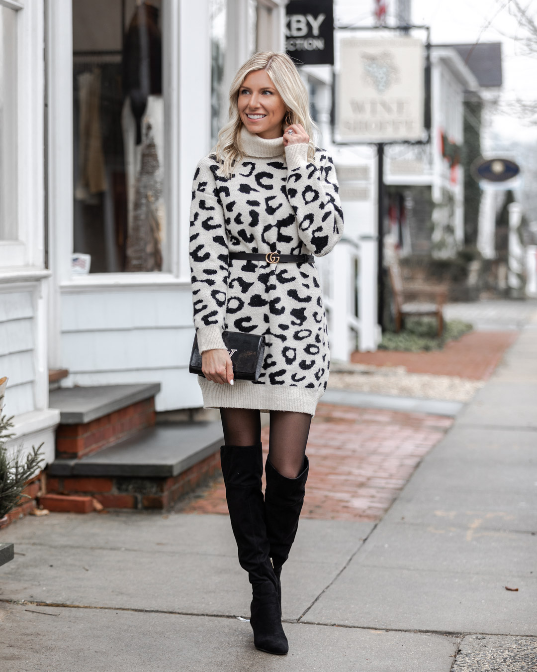 the perfect cozy winter outfit The Glamorous Gal