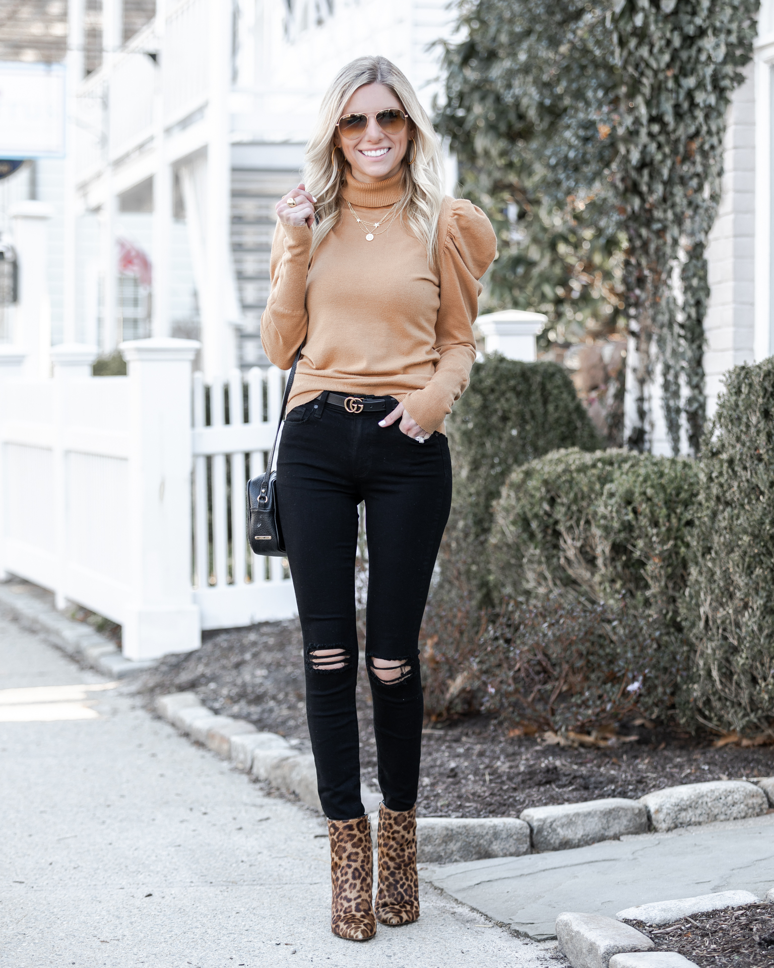 camel-and-black-sophisticated-look-the-glamorous-gal