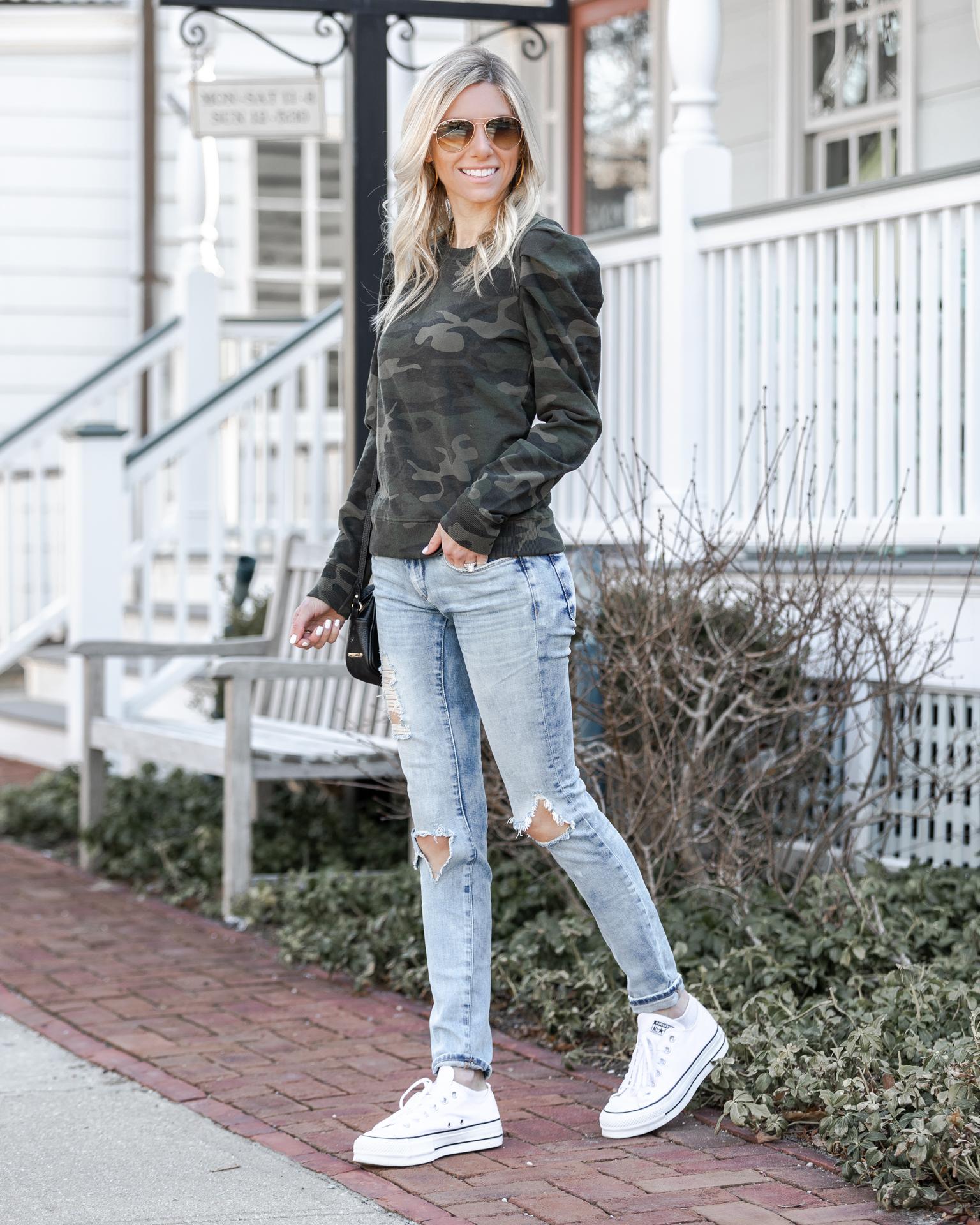 camoflage-sweatshirt-from-evereve-the-glamorous-gal