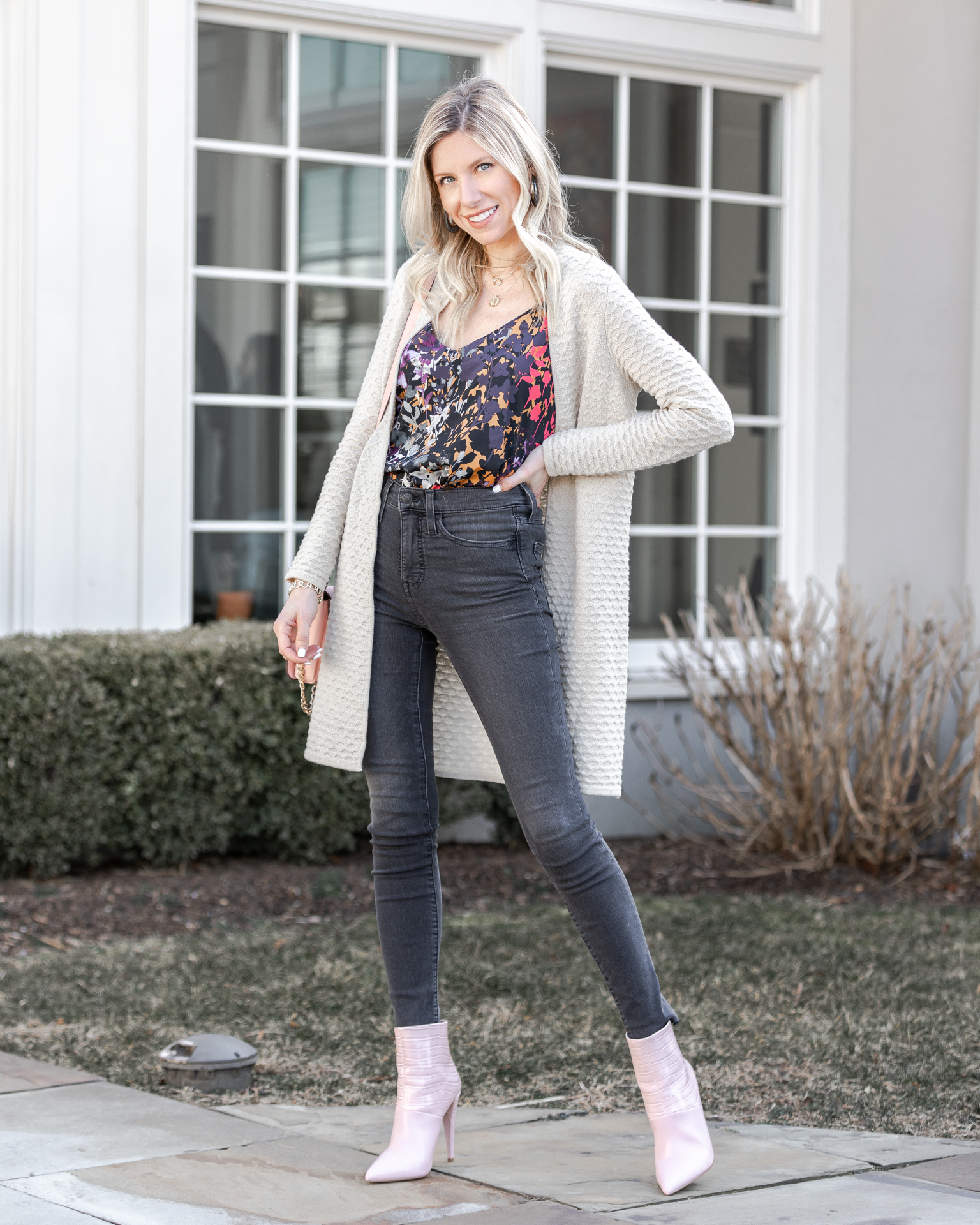 casual-weekend-outfit-vibes-the-glamorous-gal