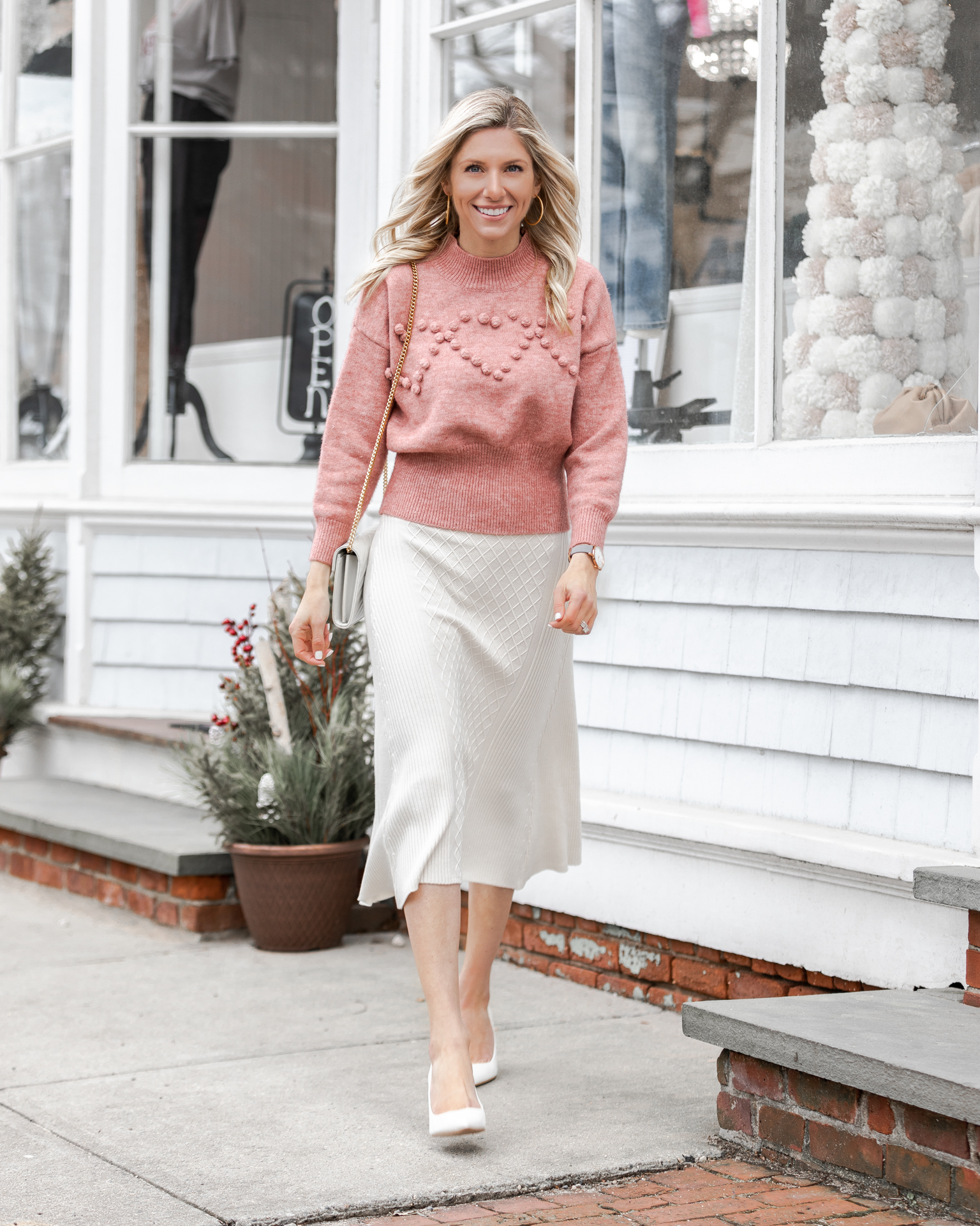 chic-and-sophisticated-winter-look-with-midi-skirt-the-glamorous-gal
