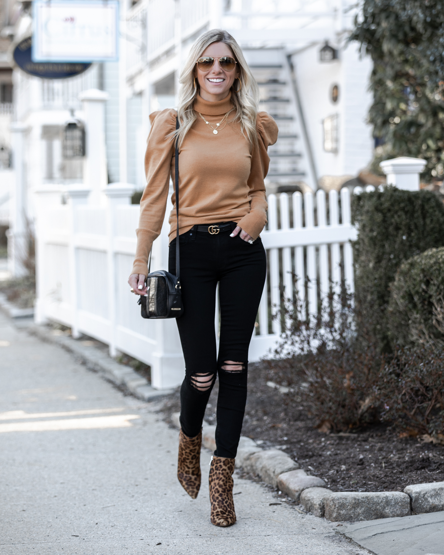 chic-desk-to-dinner-look-with-vici-turtleneck-the-glamorous-gal