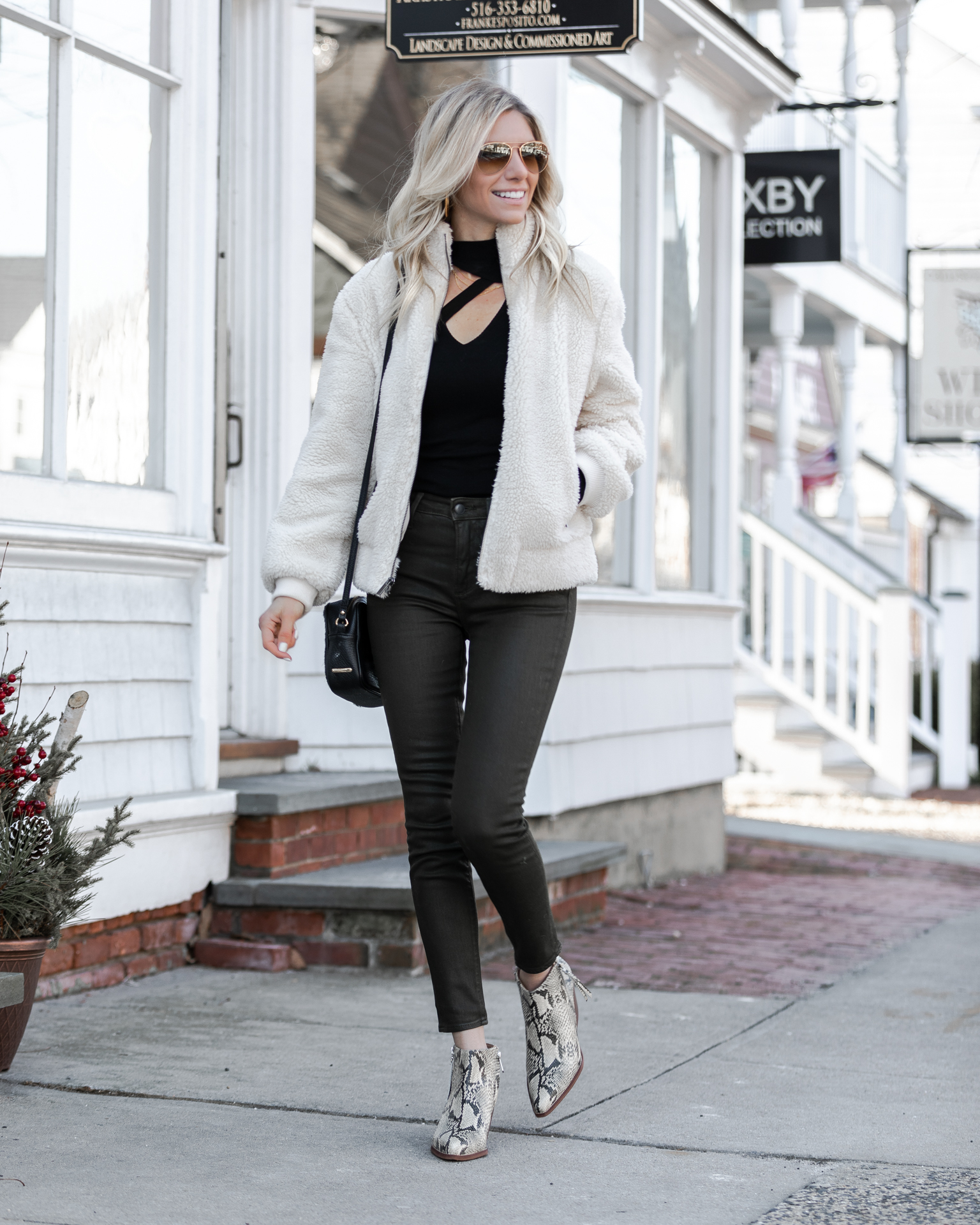 cutout-top-from-evereve-and-driftwood-denim-the-glamorous-gal