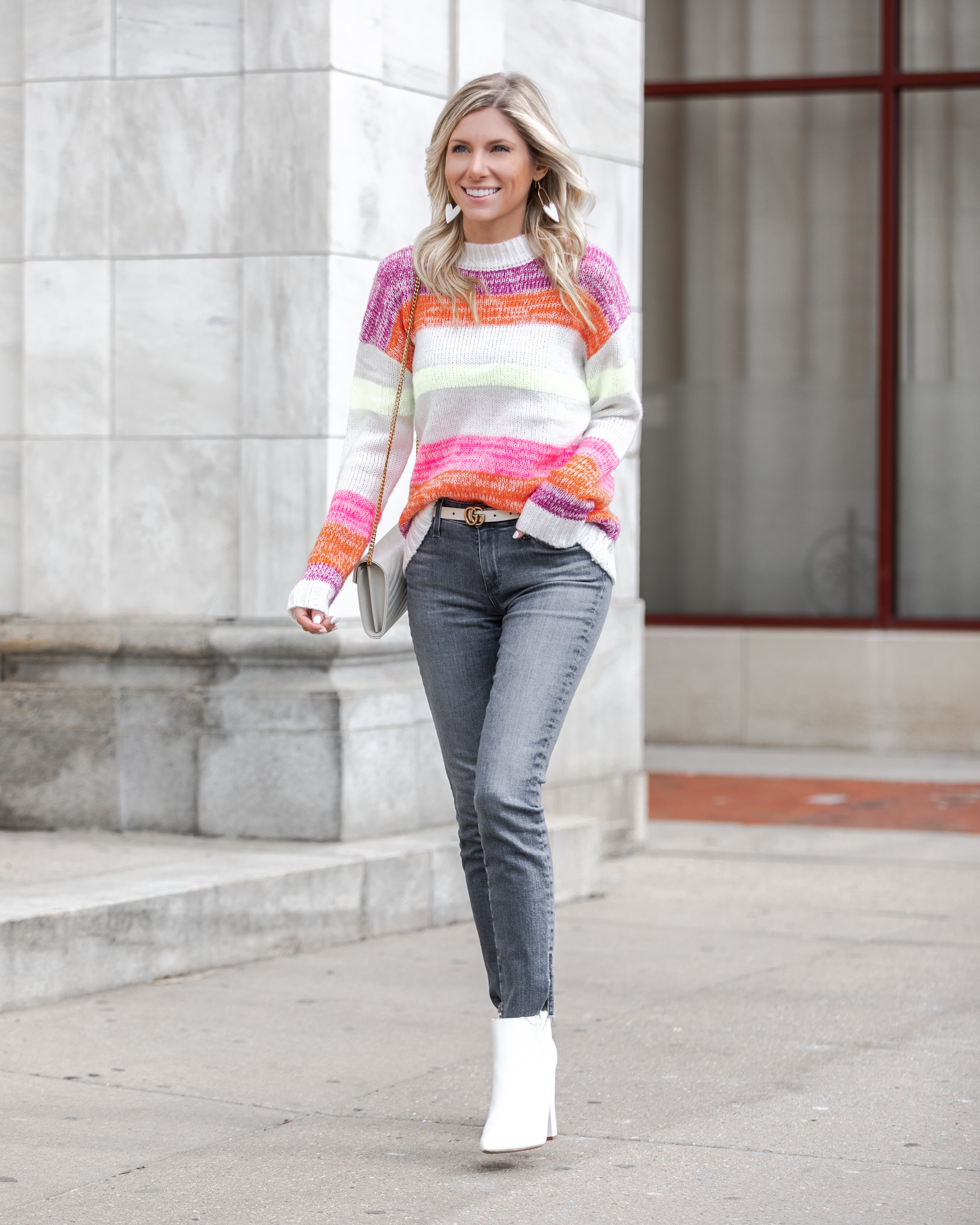 gray-jeans-and-white-accessories-the-glamorous-gal
