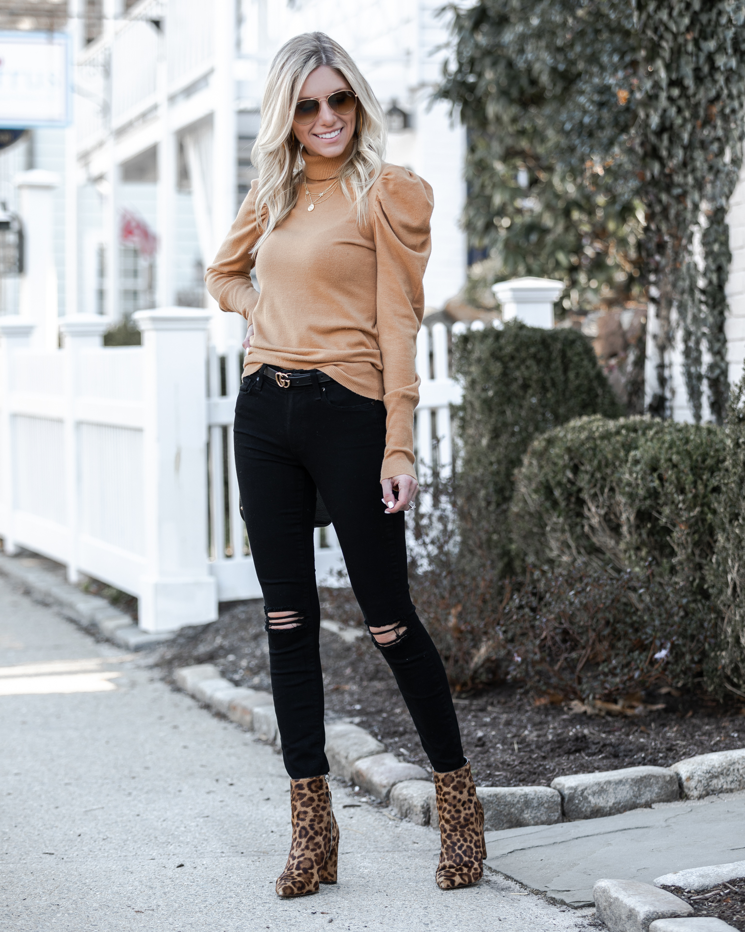 light-sweater-from-vici-collection-the-glamorous-gal