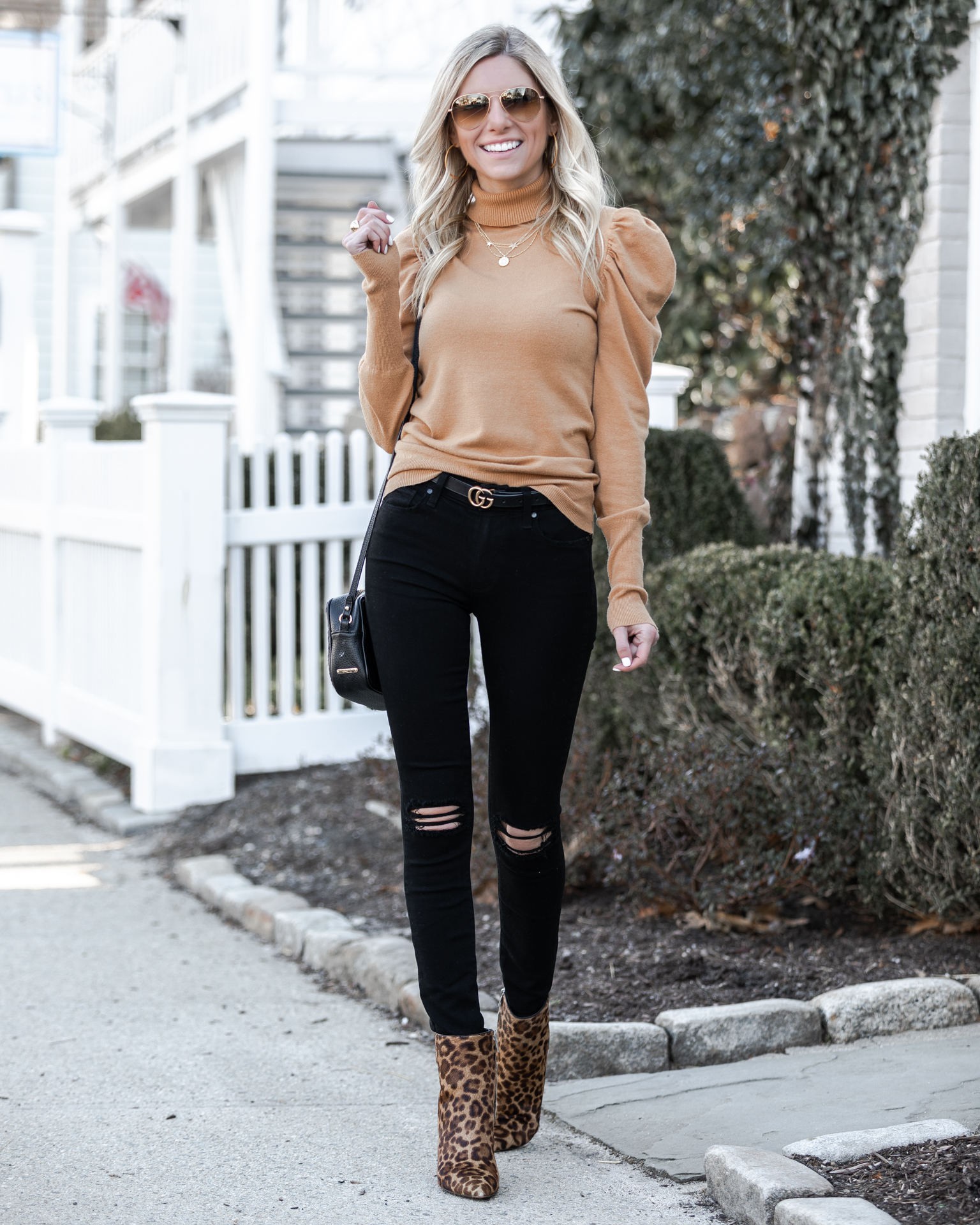 mark-fisher-booties-and-ripped-jeans-the-glamorous-gal
