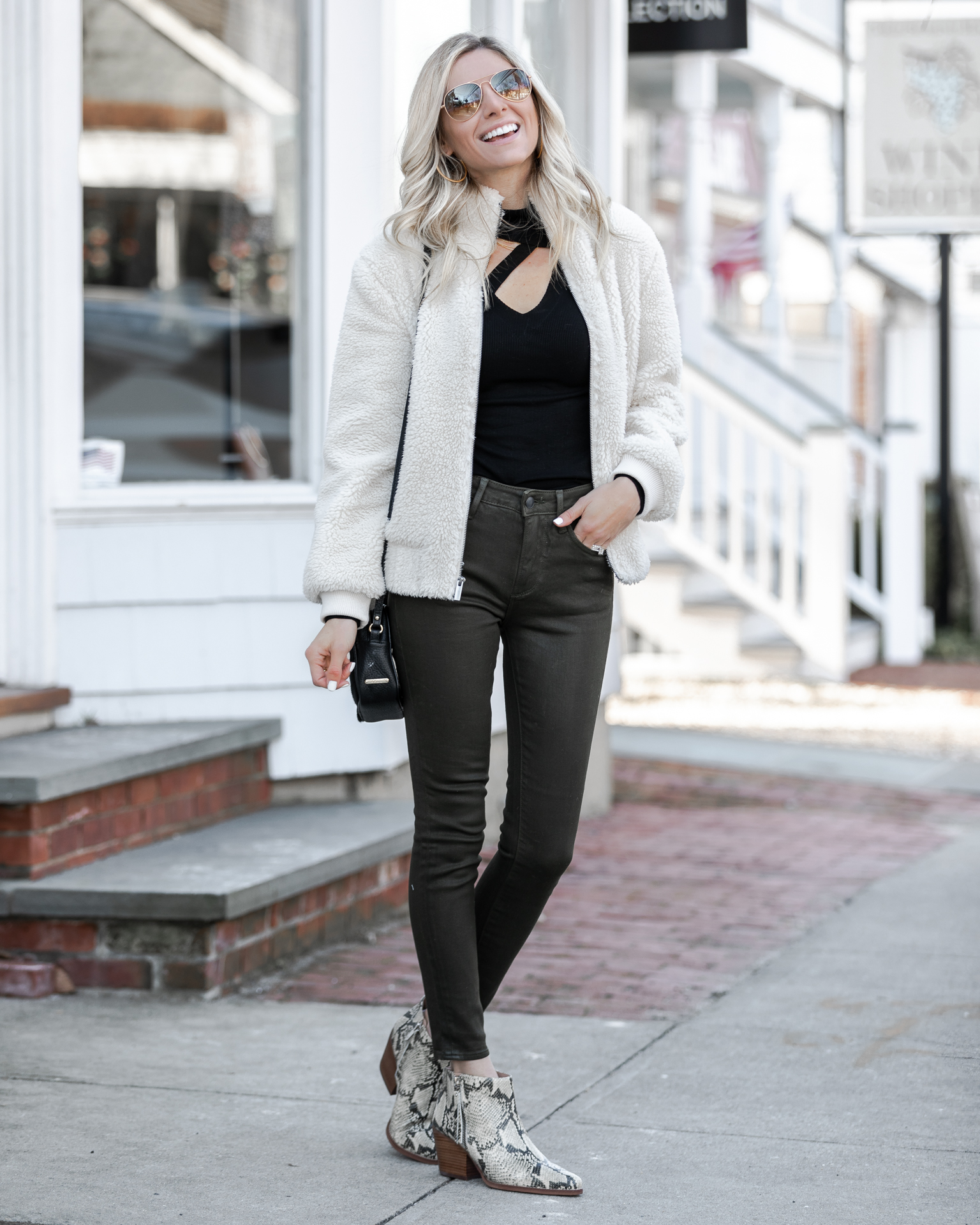 olive-coated-skinny-jeans-from-driftwood-the-glamorous-gal