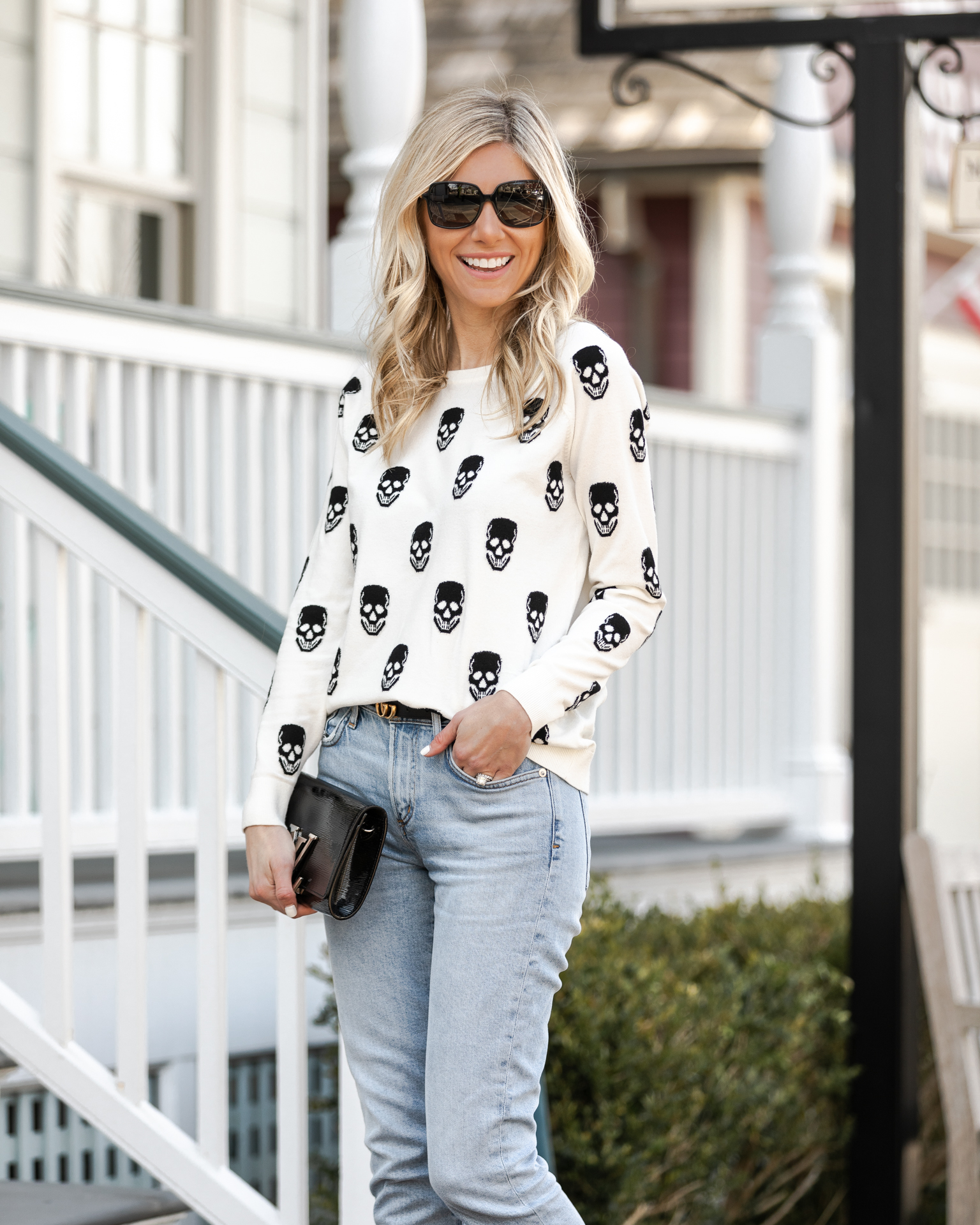 chic-skull-sweater-for-spring-the-glamorous-gal