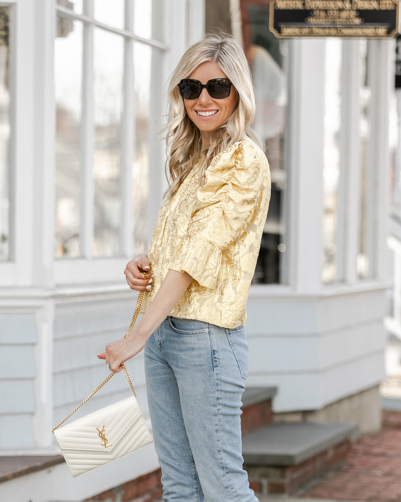 feminine-puff-sleeve-top-the-glamorous-gal