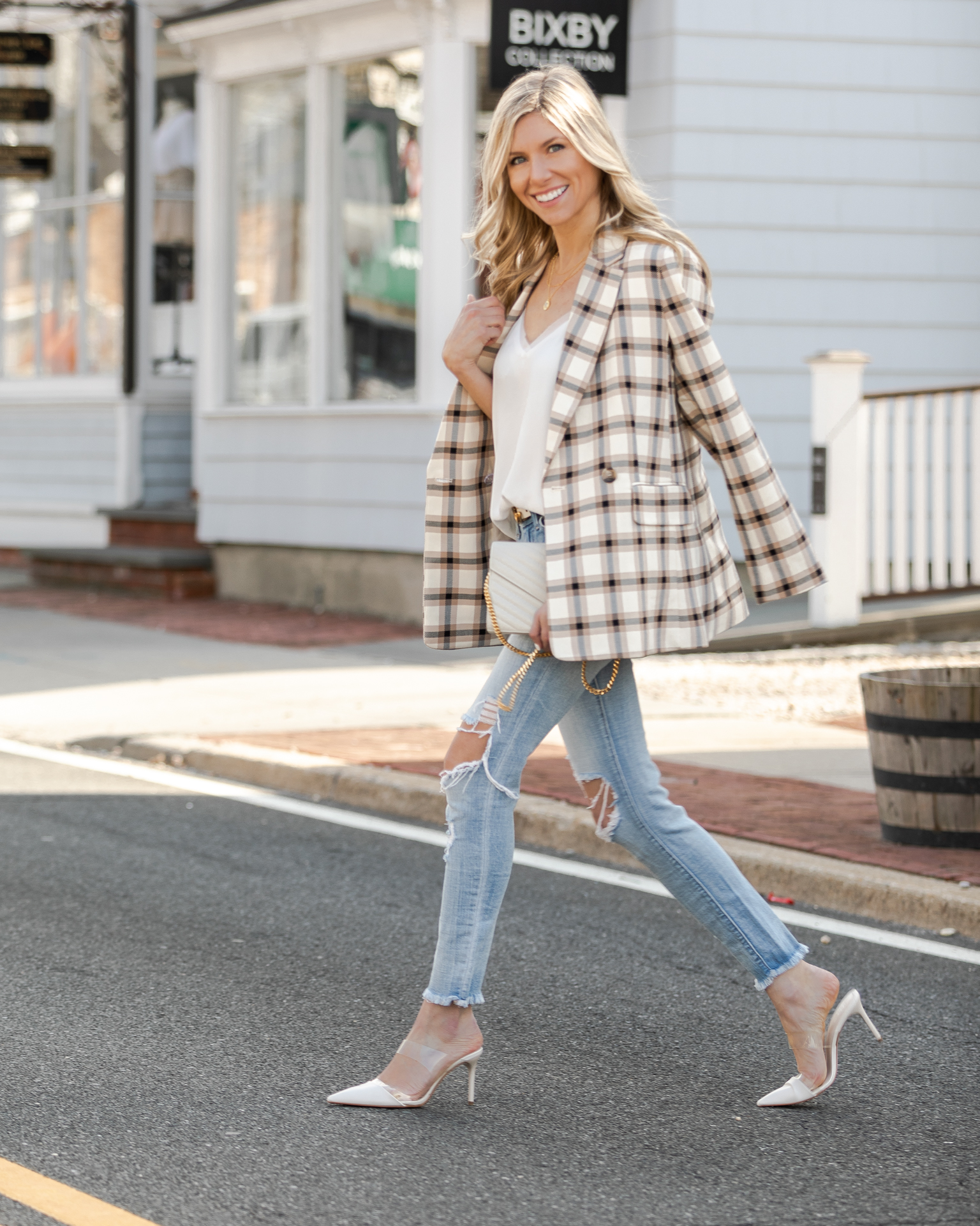plaid-blazer-perfect-for-spring-the-glamorous-gal