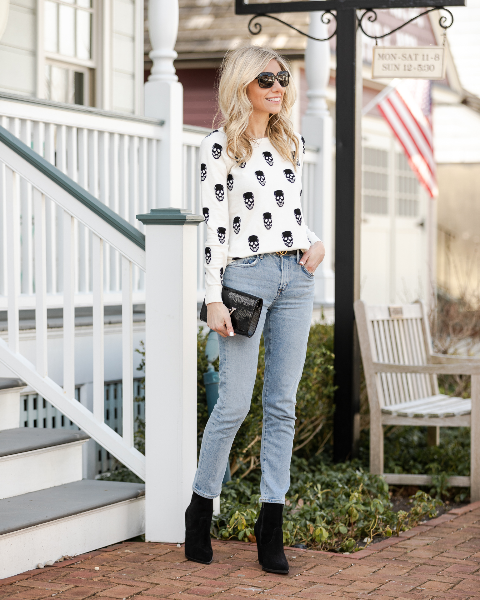 skull-sweater-for-spring-the-glamorous-gal