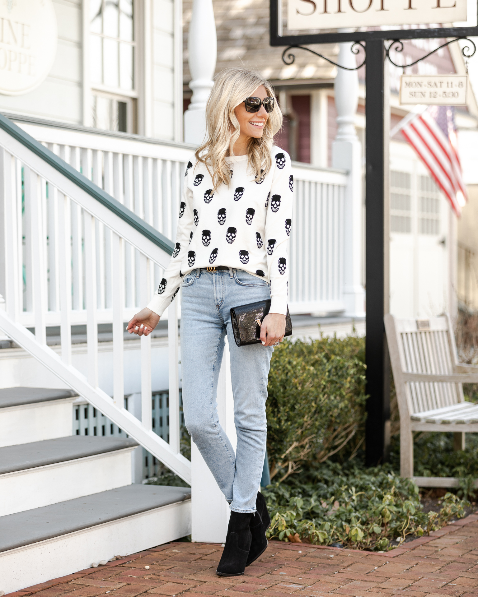weekend-look-skull-sweater-the-glamorous-gal