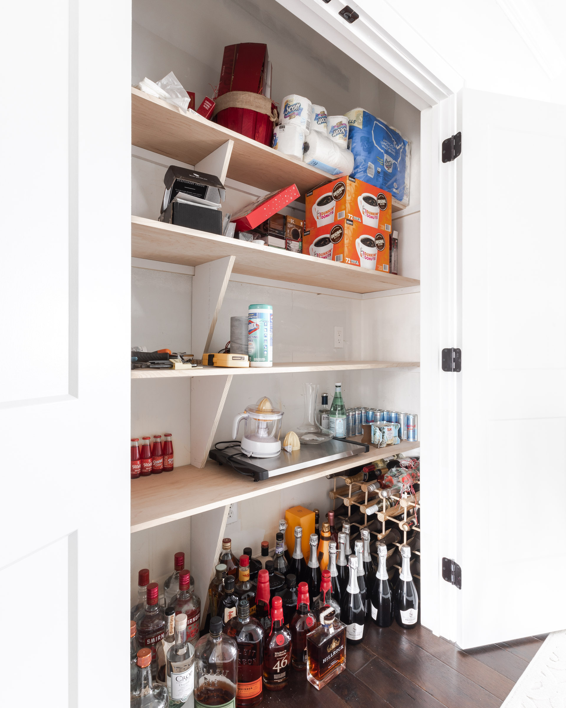 pantry-closet-angle-before-the-glamorous-gal