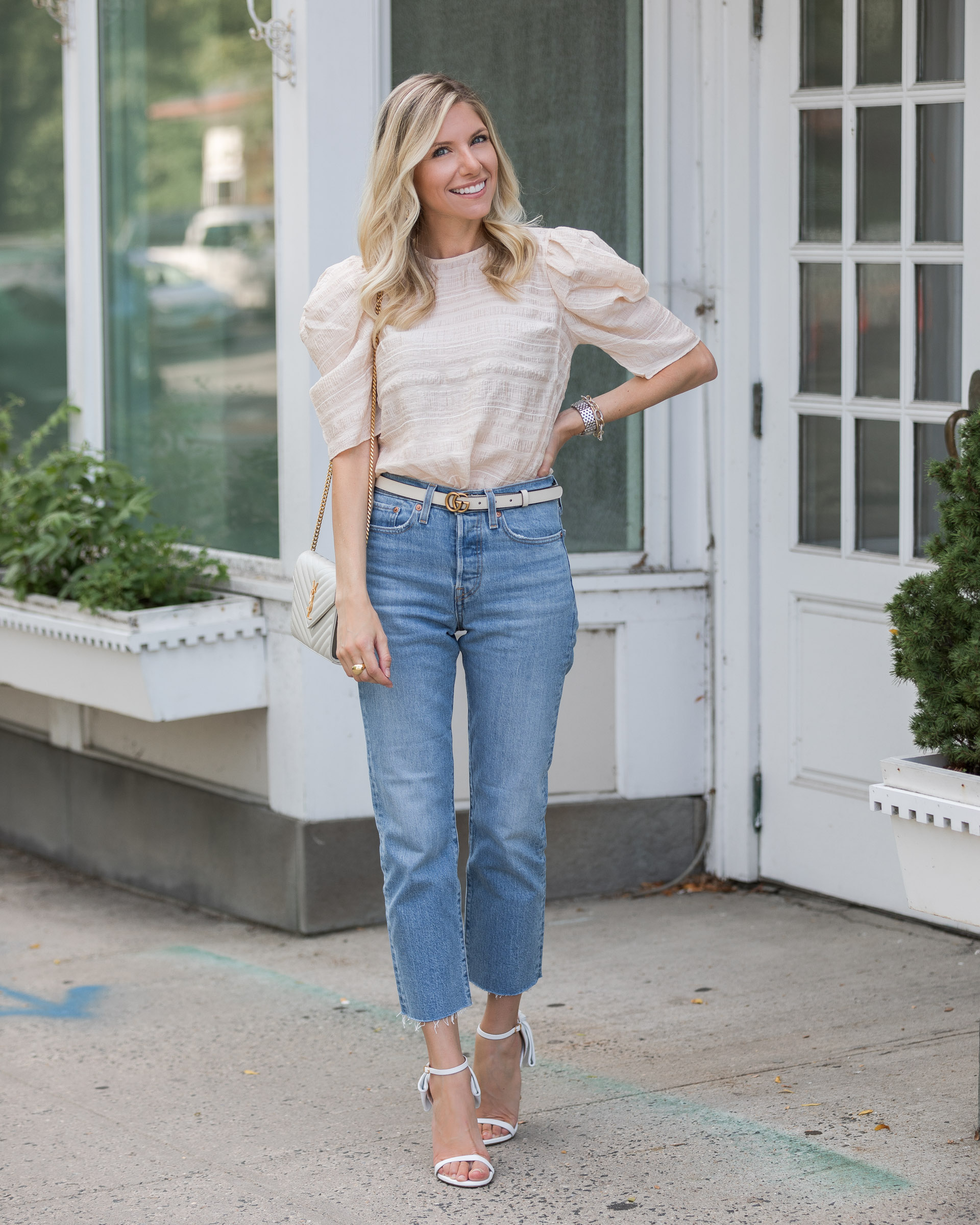 cropped-levis-jeans-and-puff-sleeve-top-the-glamorous-gal