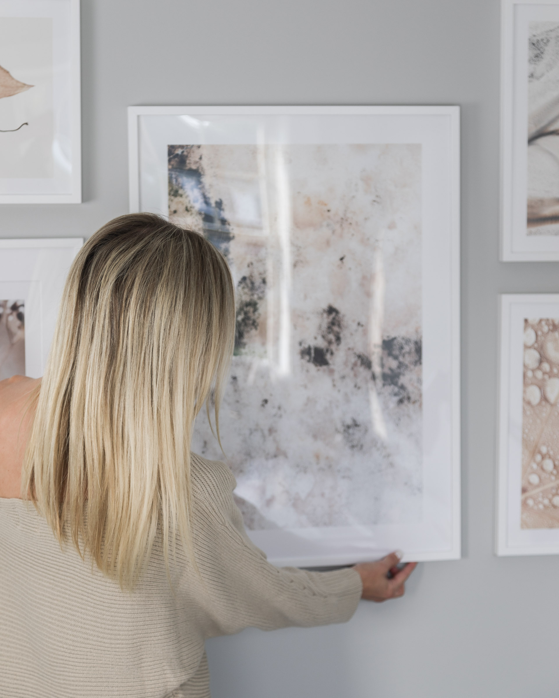 desenio-white-frame-and-abstract-art-gallery-wall-the-glamorous-gal