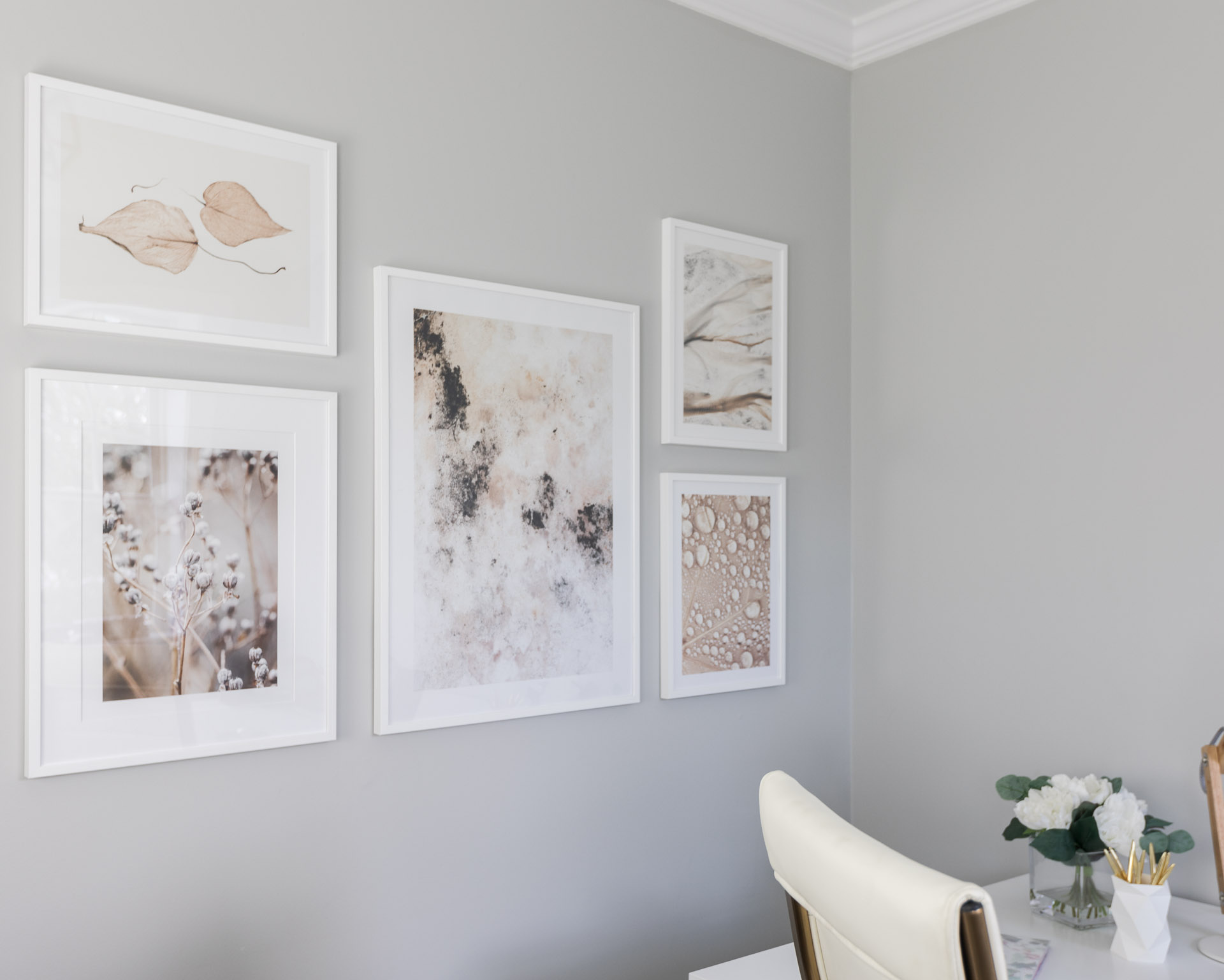 office-gallery-wall-the-glamorous-gal