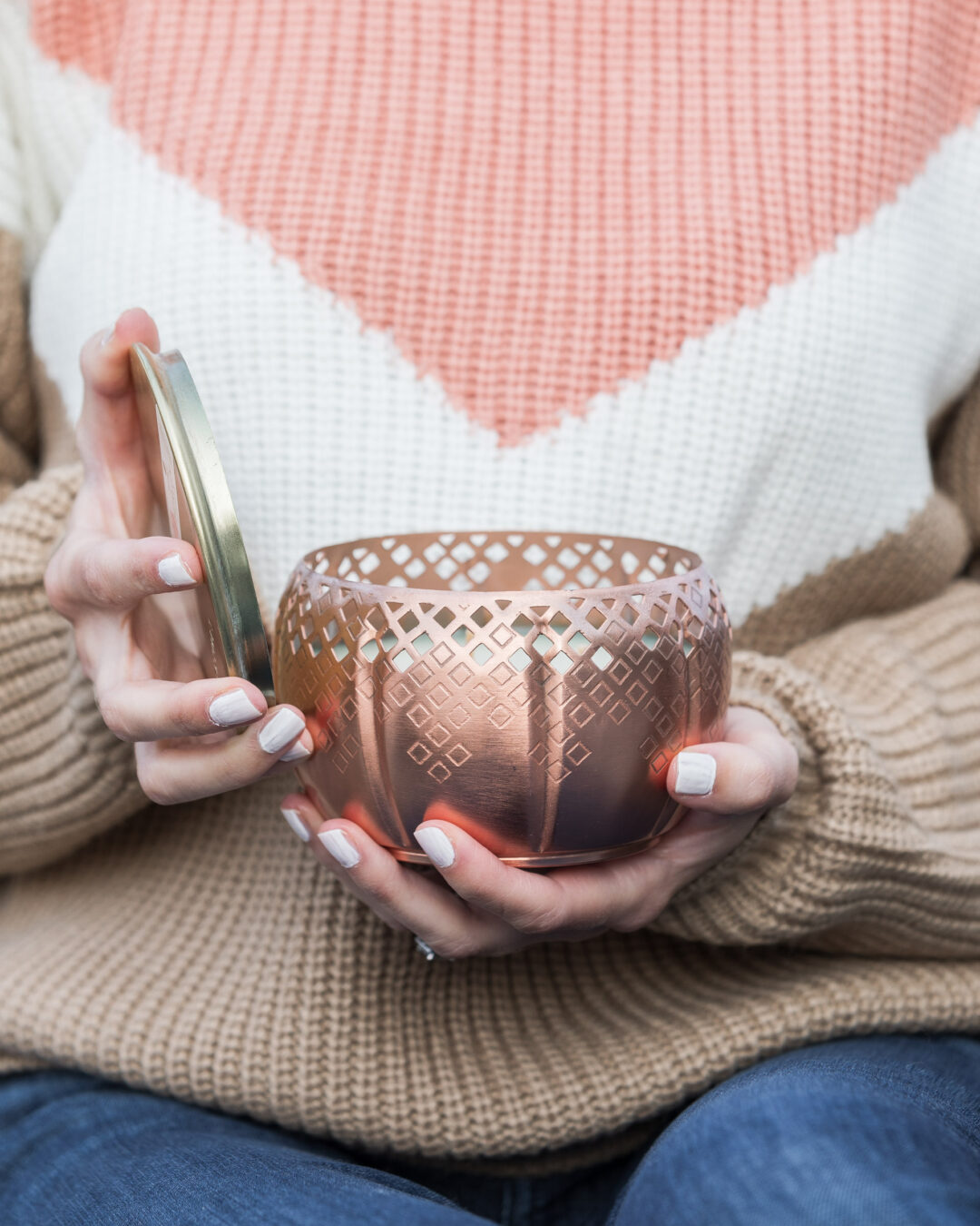 thymes-fall-candle-home-decor-the-glamorous-gal