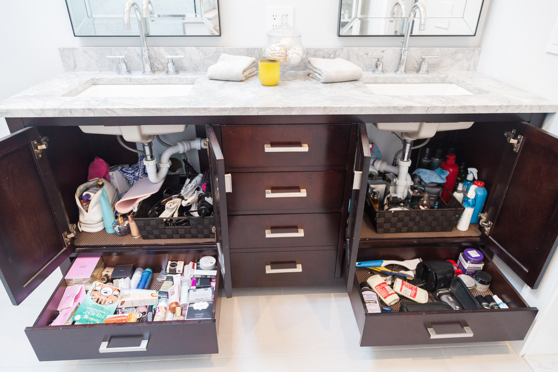 bathroom-organization-all-drawers-before-the-glamorous-gal