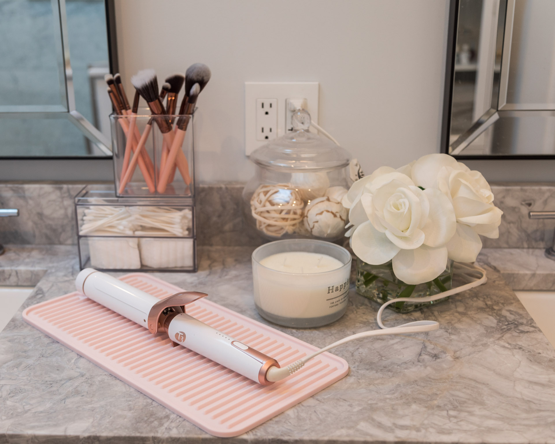 organized-bathroom-countertop-with-the-container-store-the-glamorous-gal