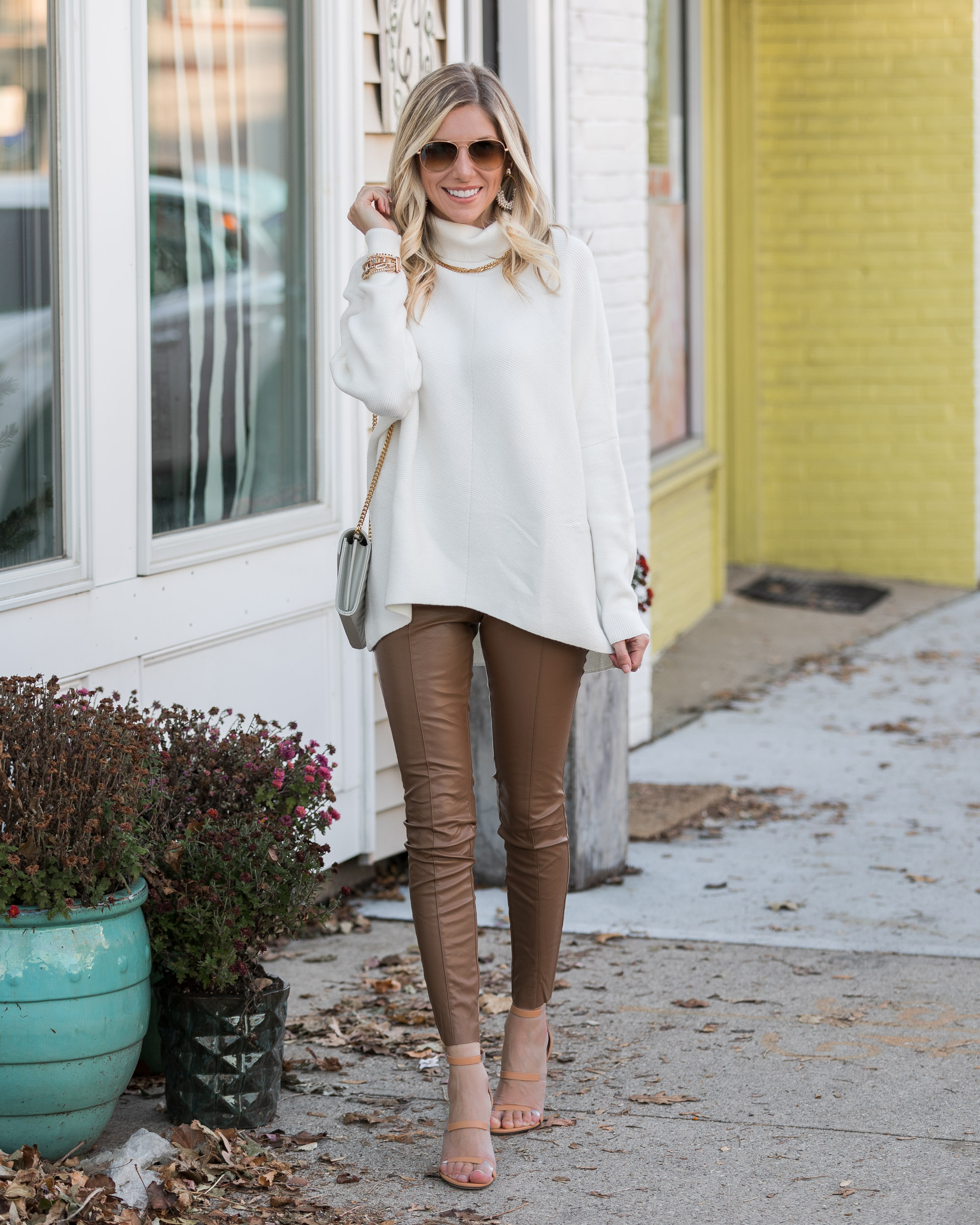 oversized-turtleneck-sweater-from-amazon-the-glamorous-gal