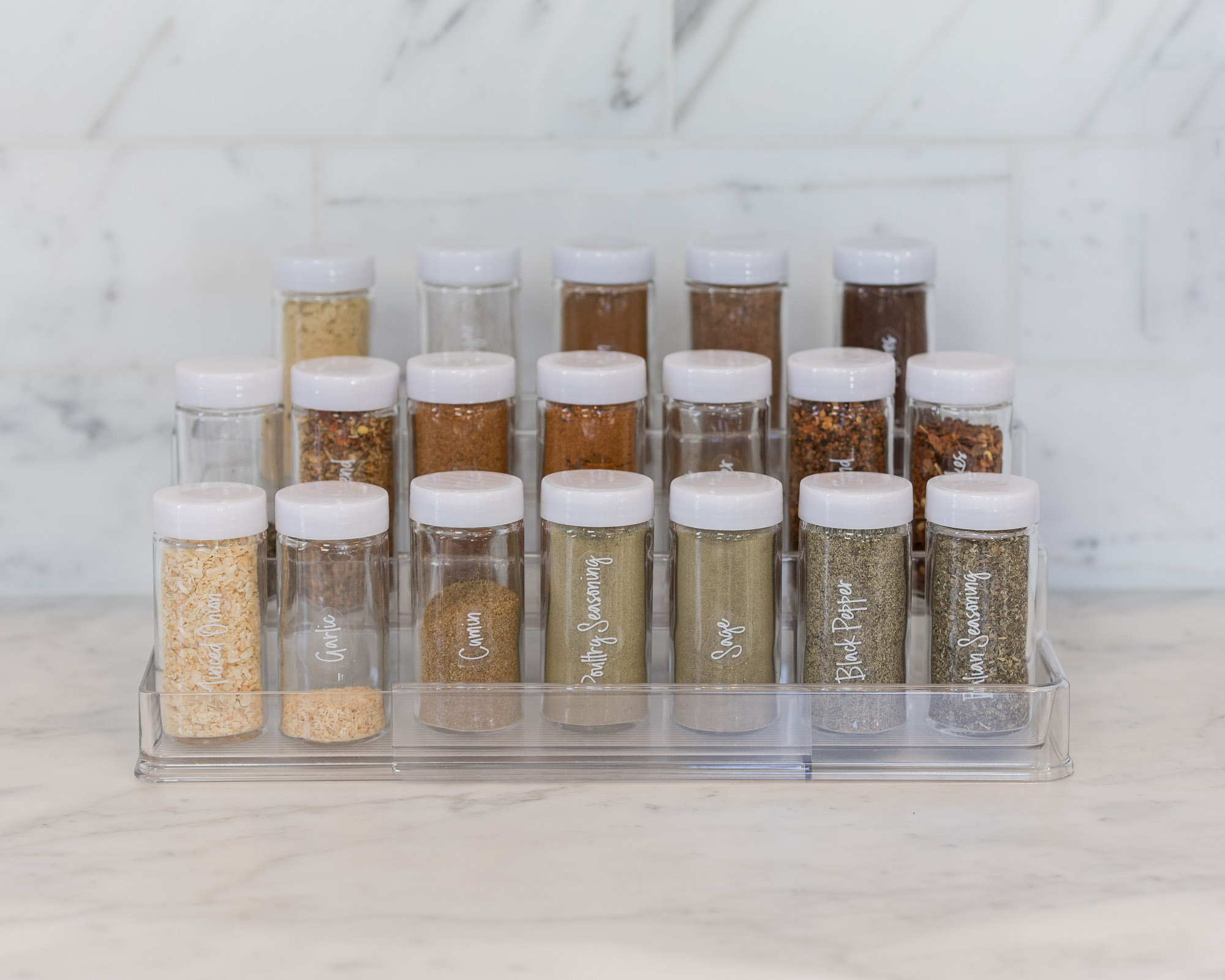 the-container-store-organized-spice-rack-the-glamorous-gal