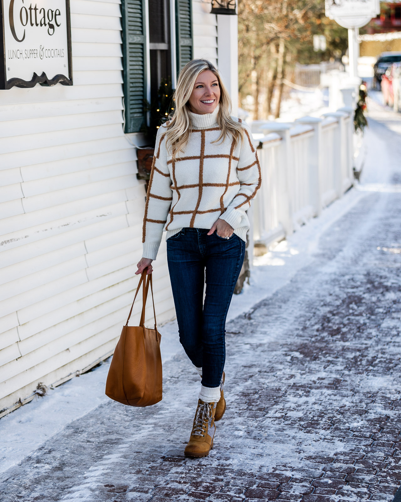 the-perfect-casual-winter-look-from-versona-the-glamorous-gal
