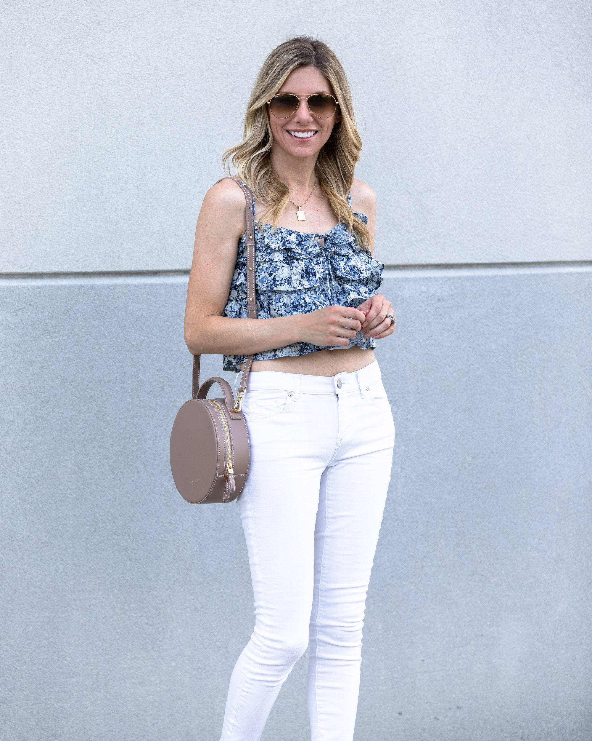 express-floral-crop-top-and-white-denim-the-glamorous-gal