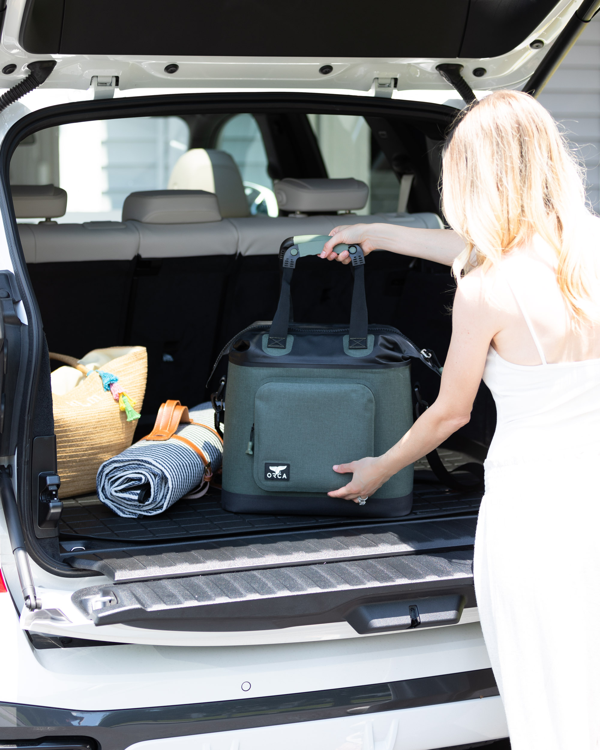 orca-soft-cooler-for-the-car-the-glamorous-gal